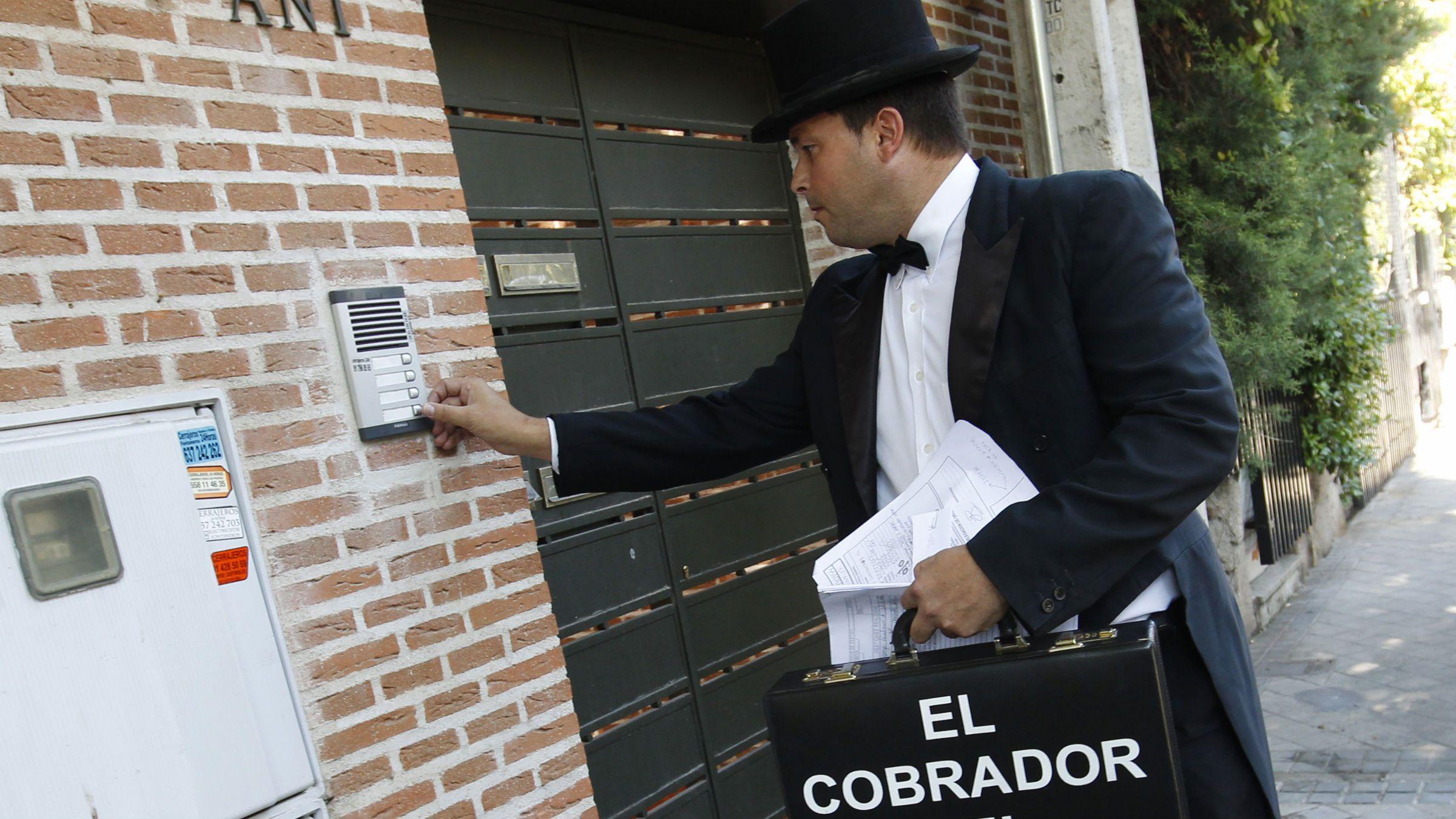 debt collector rings doorbell