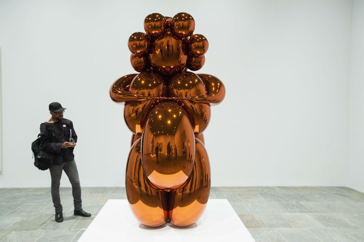 Balloon Venus (Orange) Jeff Koons
