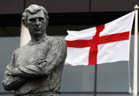 Sir Bobby Moore statue