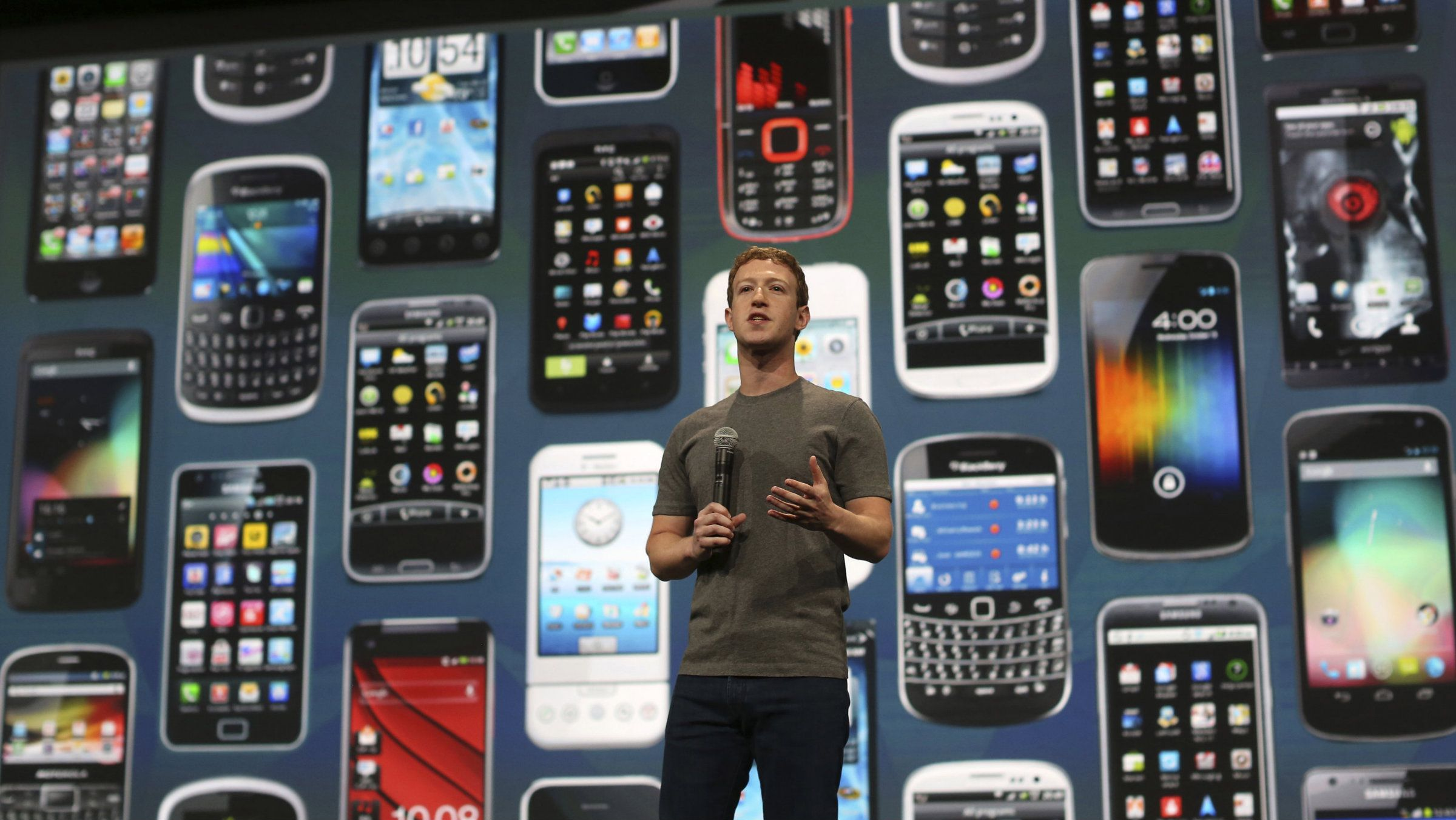 Facebook CEO Mark Zuckerberg speaks during his keynote address at Facebook's f8 developers conference in San Francisco, California April 30, 2014. REUTERS/Robert Galbraith
