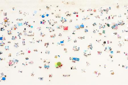 An aerial photo of a beach in the Hamptons, New York