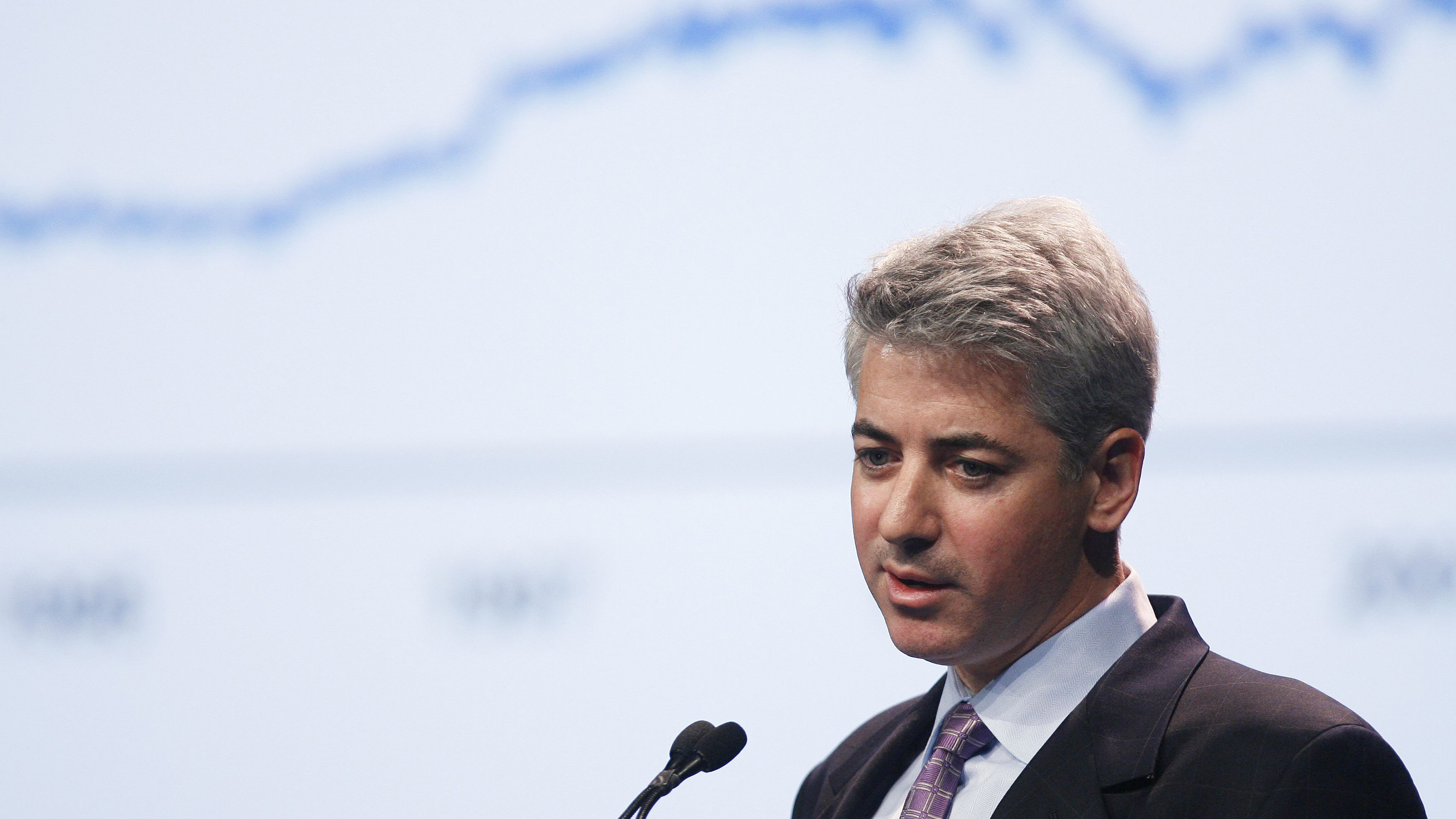 Bill Ackman of Pershing Square Capital Management speaks during the Ira W. Sohn investment research conference in New York May 27, 2009. REUTERS/Lucas Jackson (UNITED STATES BUSINESS)