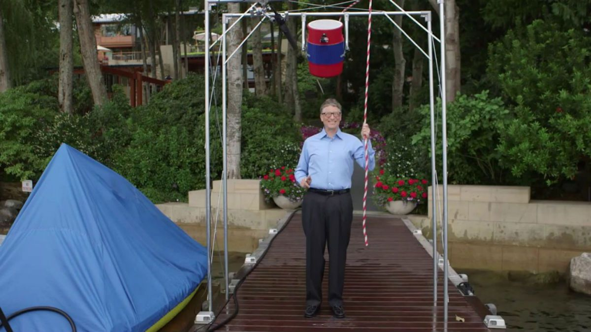 Bill Gates does the Ice Bucket Challenge