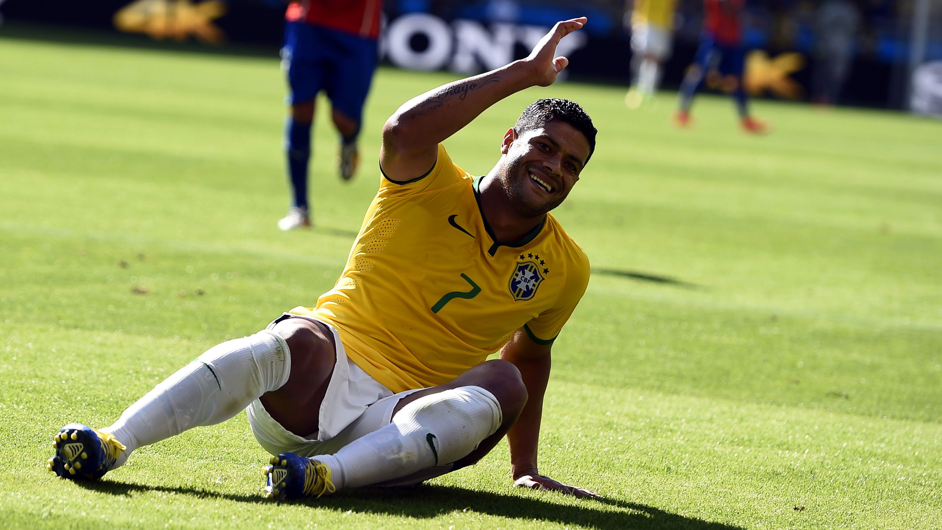 Brazil's Hulk reacts during their 2014 World Cup round of 16 game against Chile at the Mineirao stadium in Belo Horizonte June 28, 2014.