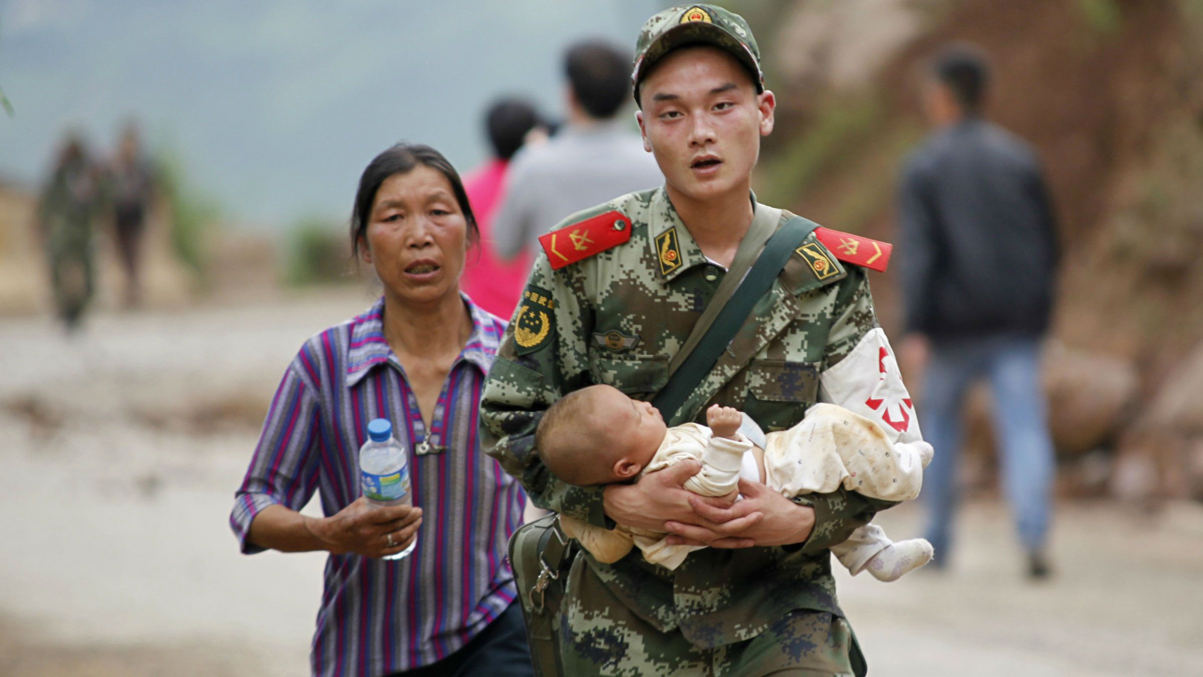 china earthquake baby web