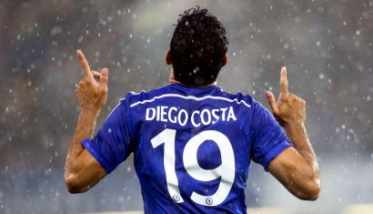 Chelsea's Diego Costa celebrates scoring his first goal against Real Sociedad during their friendly soccer match at Stamford Bridge in London, August 12, 2014. REUTERS/Paul Hackett (BRITAIN - Tags: SPORT SOCCER) - RTR426Q3