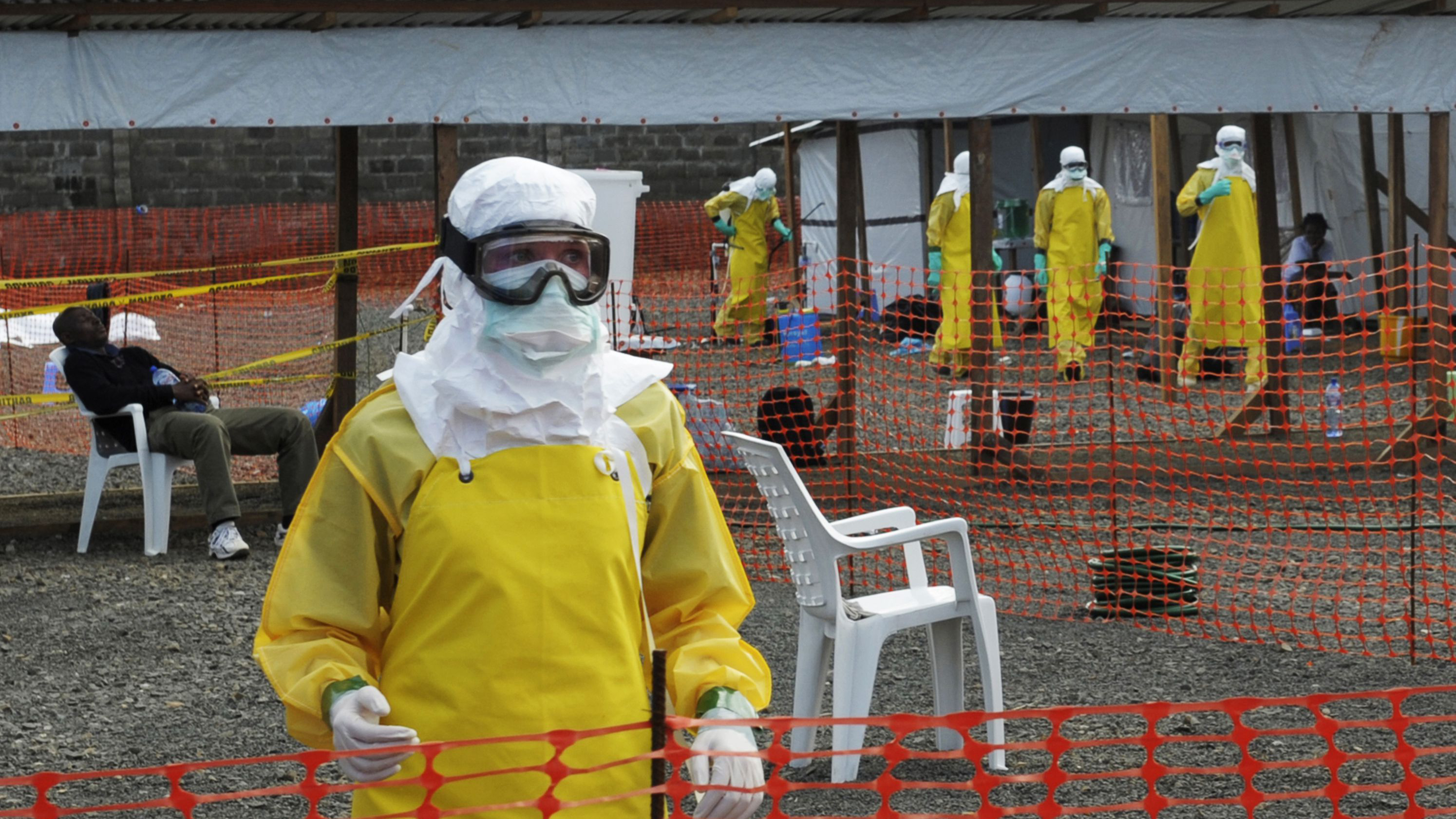 Medicins Sans Frontieres (MSF) health workers prepare at ELWA's isolation camp during the visit of Senior United Nations (U.N.) System Coordinator for Ebola David Nabarro, at the camp in Monrovia August 23, 2014.As the outbreak has spread across borders from its initial epicentre in Guinea, governments in the region have introduced increasingly strict travel restrictions. Ivory Coast has closed its land borders Guinea and Liberia to try to prevent the virus from crossing onto its territory, the government announced late on Friday. REUTERS/2Tango (LIBERIA - Tags: HEALTH SOCIETY DISASTER TPX IMAGES OF THE DAY)