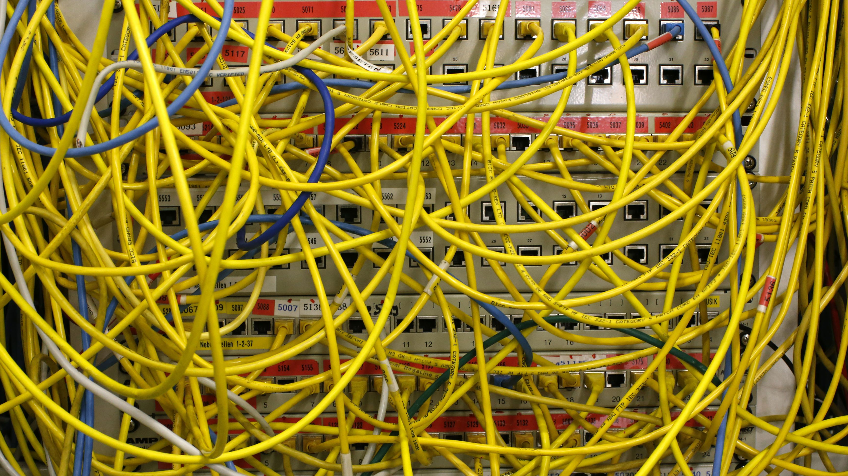 The Inside Story Of How Netflix Came To Pay Comcast For Internet Wiring In Http Three Simply Explained Net Phase Traffic Quartz