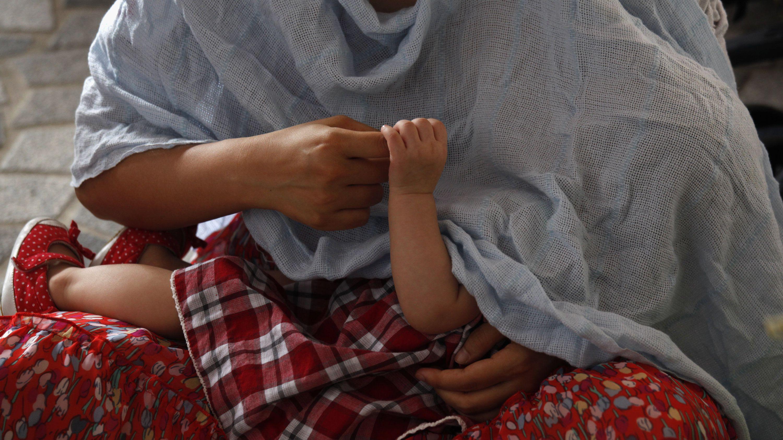breastfeeding-china-bus