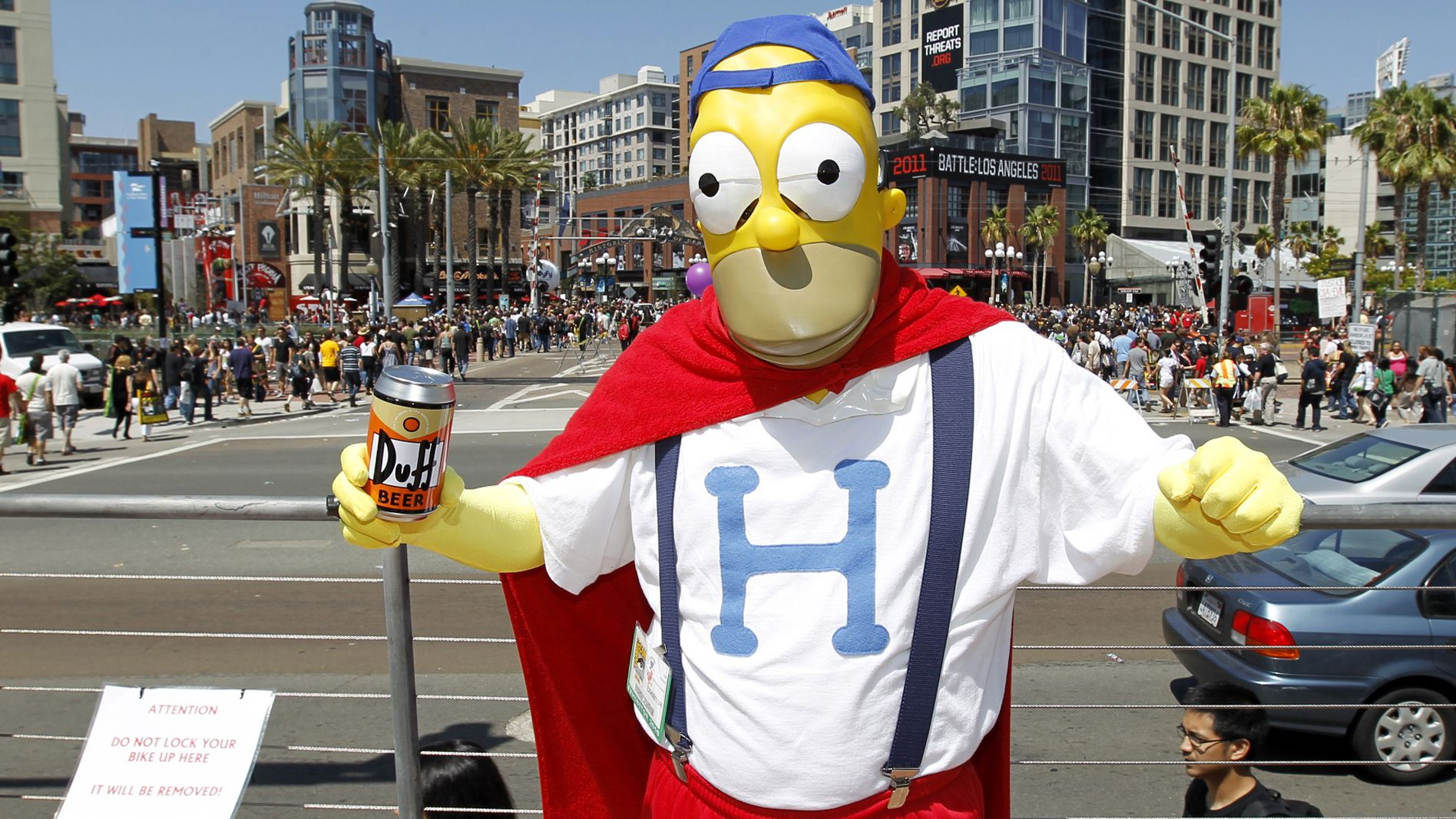 """china property housing home sales An attendee arrives dressed as Homer Simpson, from the television show """"The Simpsons"""" during the third day of the pop culture convention Comic Con in San Diego, California July 24, 2010. REUTERS/Mike Blak"""