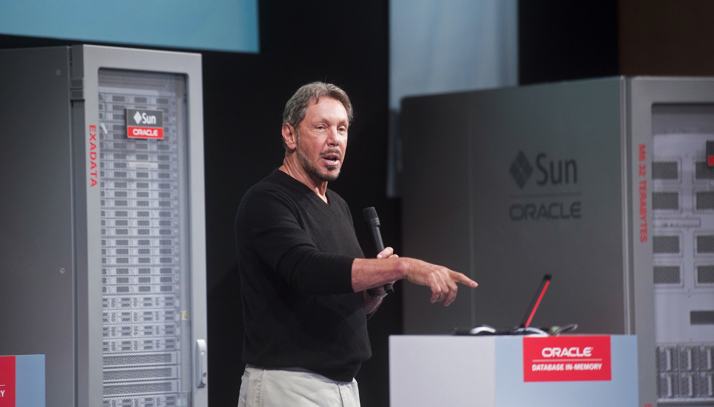 "Oracle Corp Chief Executive Larry Ellison introduces the Oracle Database In-Memory during a launch event at the company's headquarters in Redwood Shores, California June 10, 2014. Ellison on Tuesday launched the ""in-memory"" technology for speeding up data analysis in a bid to beef up demand for his company's software products. The in-memory features, which Oracle has been talking about for months, allow for faster database queries and transactions as companies collect, store and analyze growing amounts of information across the Internet.  REUTERS/Noah Berger  (UNITED STATES - Tags: SCIENCE TECHNOLOGY BUSINESS) - RTR3T46J"