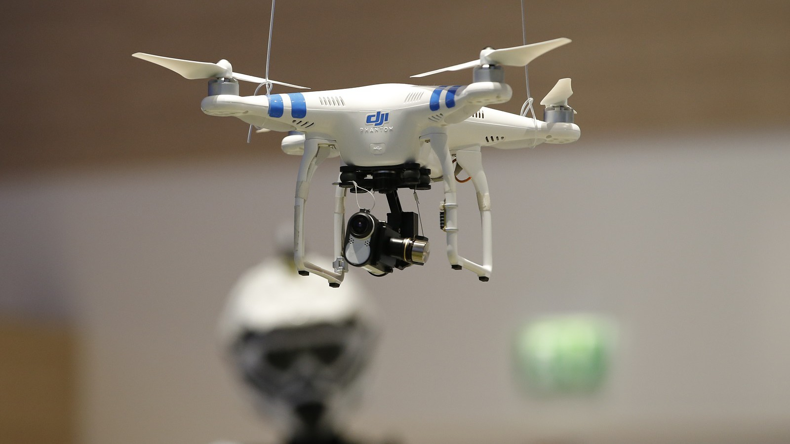 A drone with Sony Action Cam Mini is pictured at the IFA consumer technology fair in Berlin, September 5, 2014.           REUTERS/Fabrizio Bensch (GERMANY  - Tags: BUSINESS SCIENCE TECHNOLOGY)   - RTR452Y3