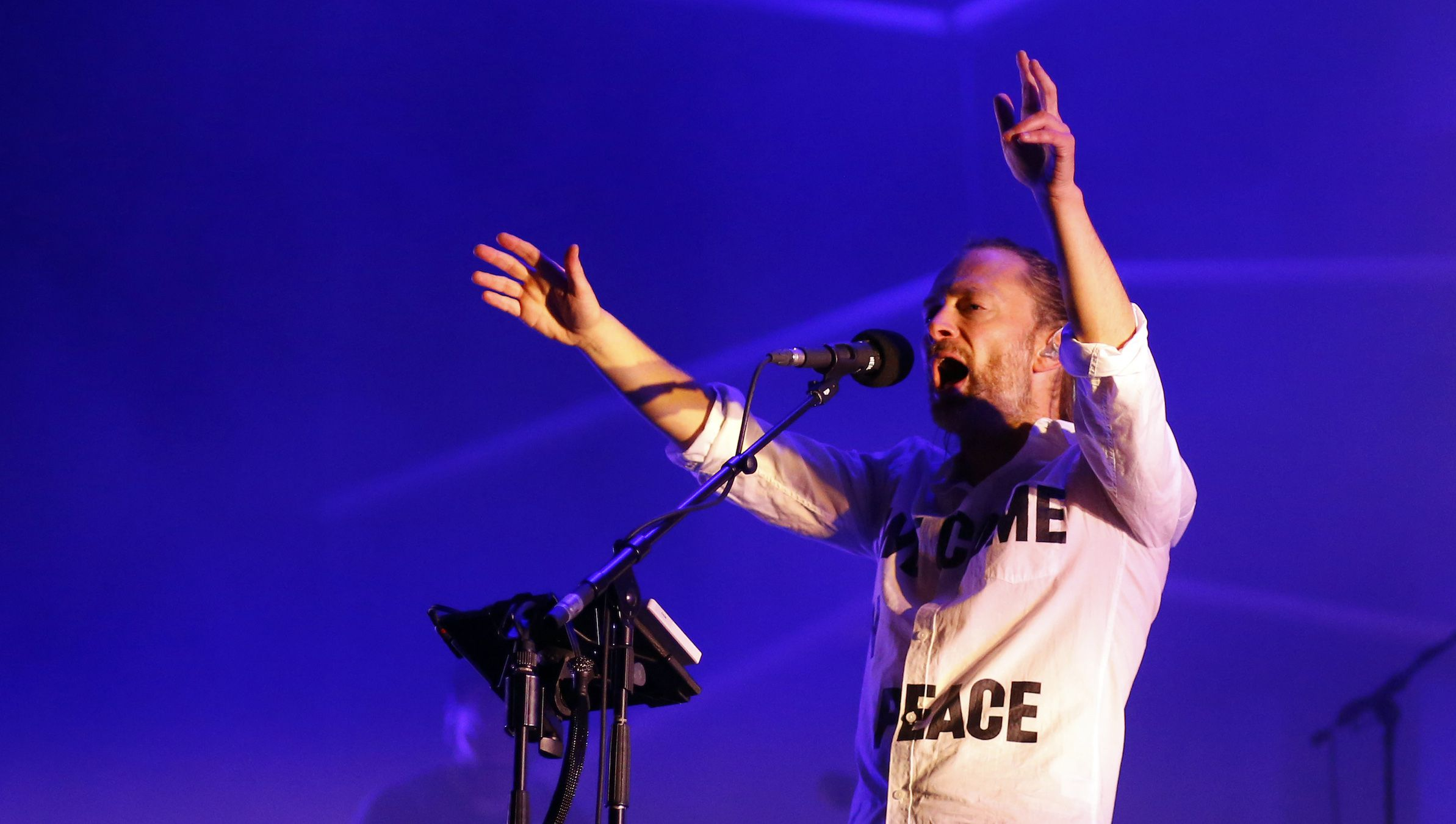 """Singer Thom Yorke of the band """"Atoms for Peace"""" performs during the third day of the 13th EXIT music festival at Petrovaradin Fortress, in Novi Sad July 13, 2013. REUTERS/Marko Djurica (SERBIA - Tags: ENTERTAINMENT) - RTX11M9O"""