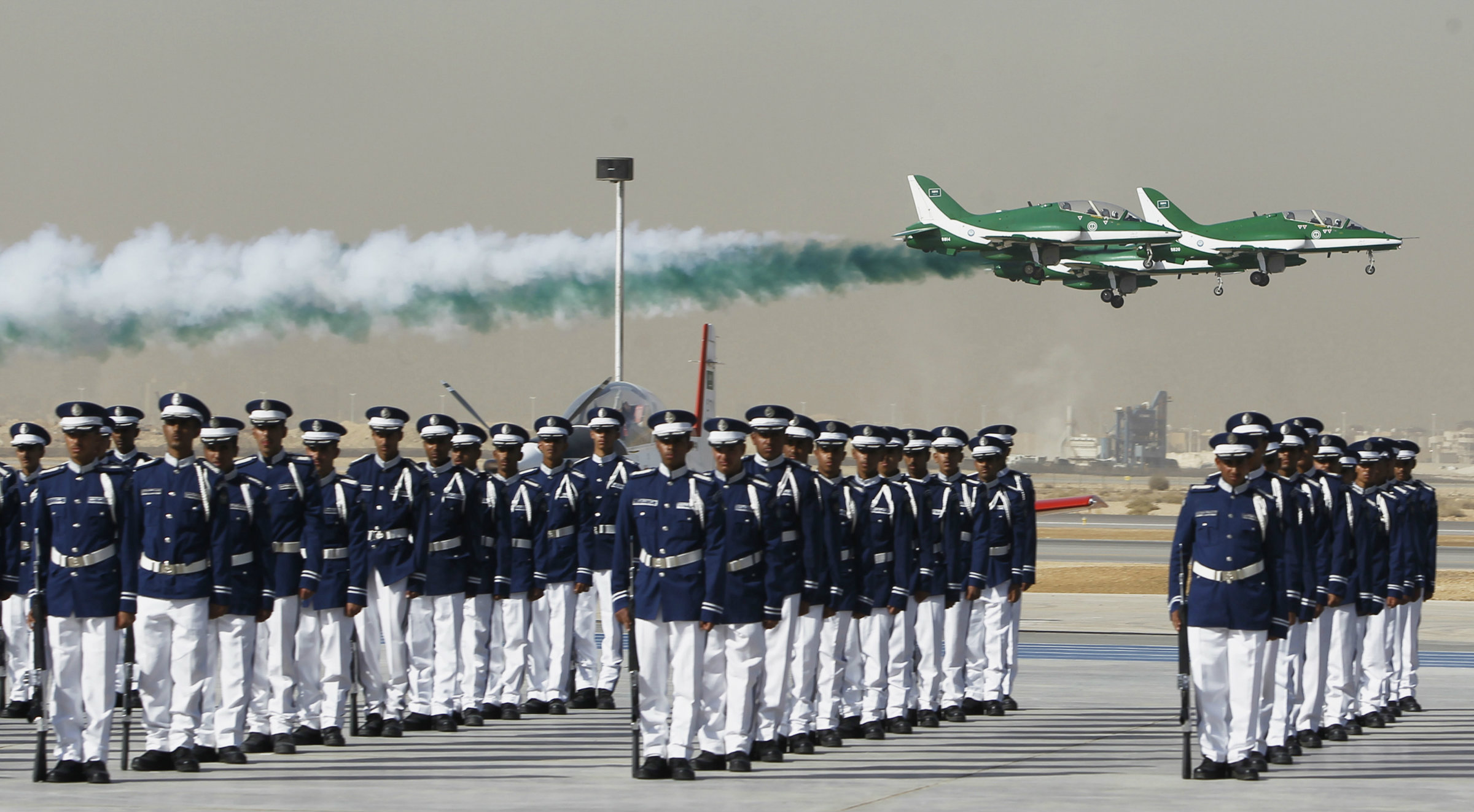 Royal Saudi Air Force jets fly in formation during a graduation ceremony for air force officers at King Faisal Air Academy in Riyadh January 1, 2013. REUTERS/Fahad Shadeed (SAUDI ARABIA - Tags: MILITARY TRANSPORT)