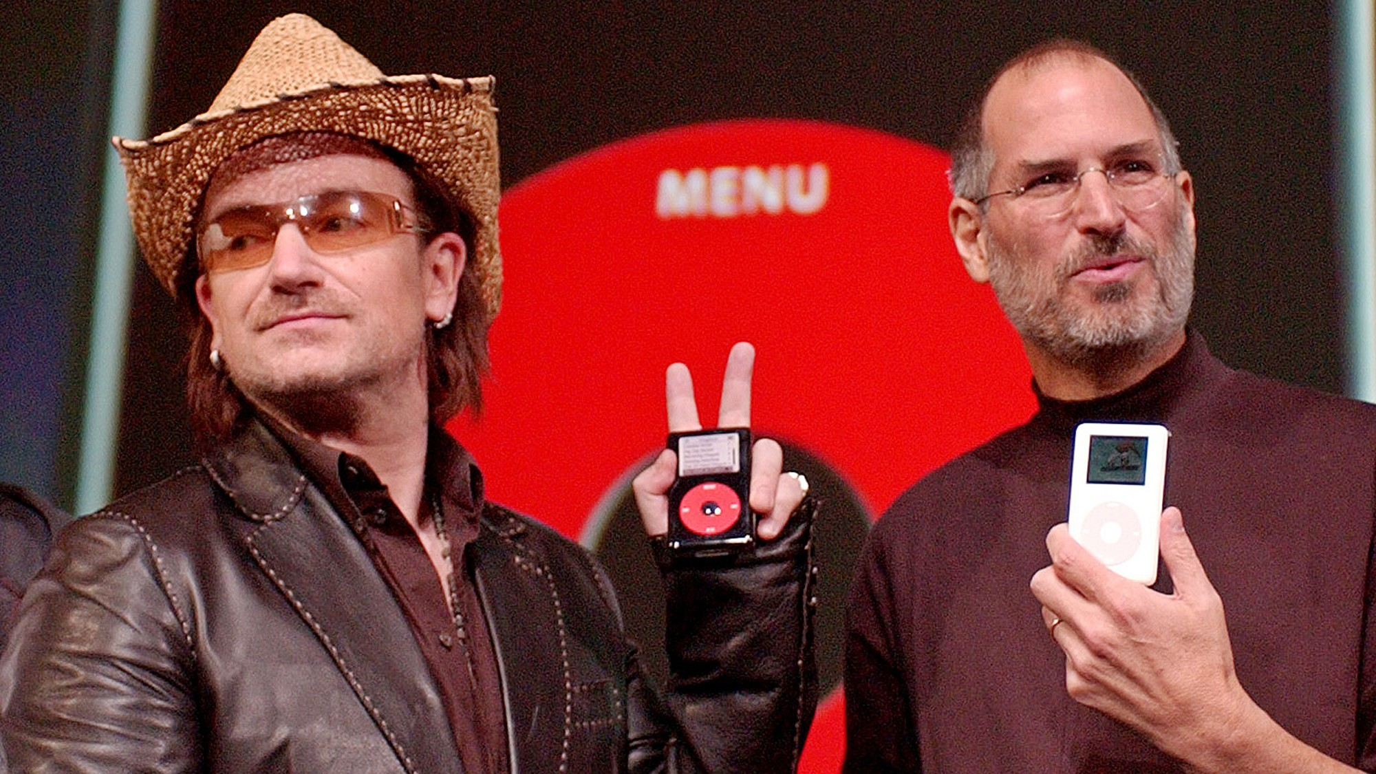 Steve Jobs and Bono with the iPod U2 Edition