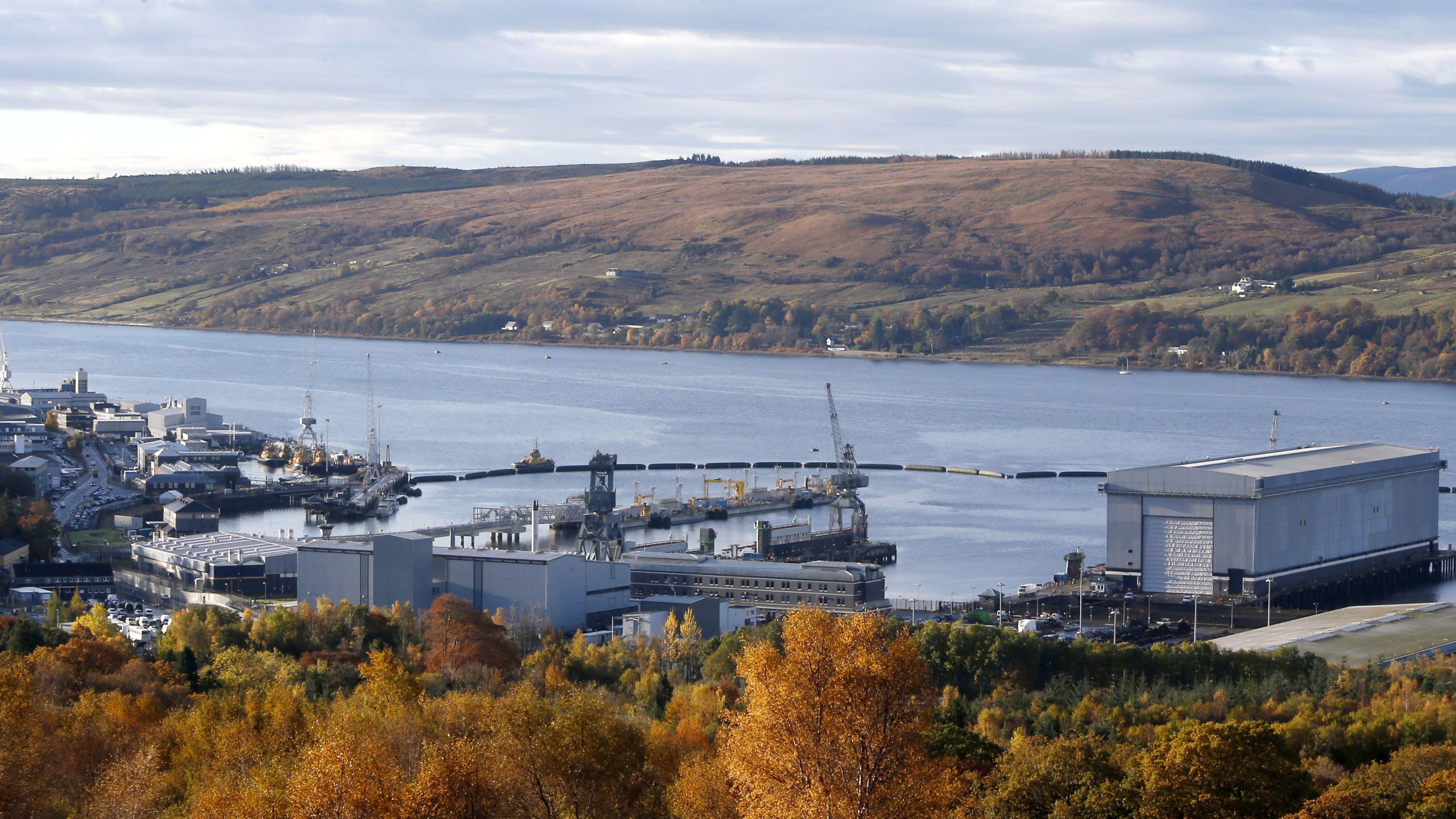 A general view shows the Clyde Naval Base in Scotland October 29, 2012. Britain's Defence Secretary Philip Hammond on Monday said an extra 350 million pounds ($562 million) would be spent developing next generation nuclear submarines, brushing aside Scottish nationalist threats to force the country's submarine base out of Scotland. REUTERS/Danny Lawson/pool (BRITAIN - Tags: POLITICS MILITARY BUSINESS EMPLOYMENT)