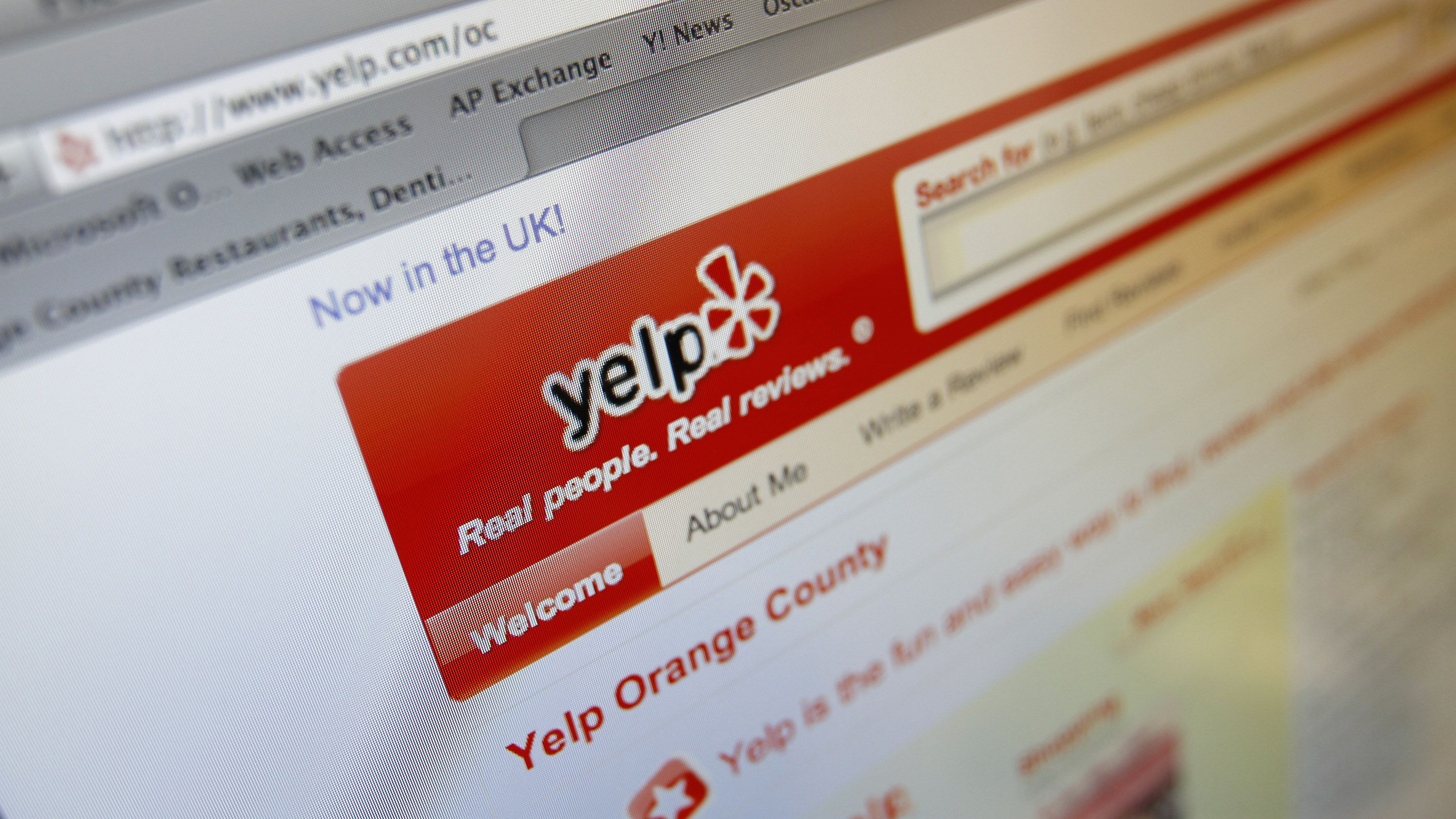 This image shows a Yelp web site on a computer screen in Los Angeles Thursday March 18, 2010. Yelp, one of the most popular, fast-growing online review sites, has been hit by several lawsuits from small businesses claiming they've been pressured to advertise so that Yelp will squash negative reviews users have posted about them. Yelp denies the claims, but exactly what happened may never be known. (AP Photo/Richard Vogel)