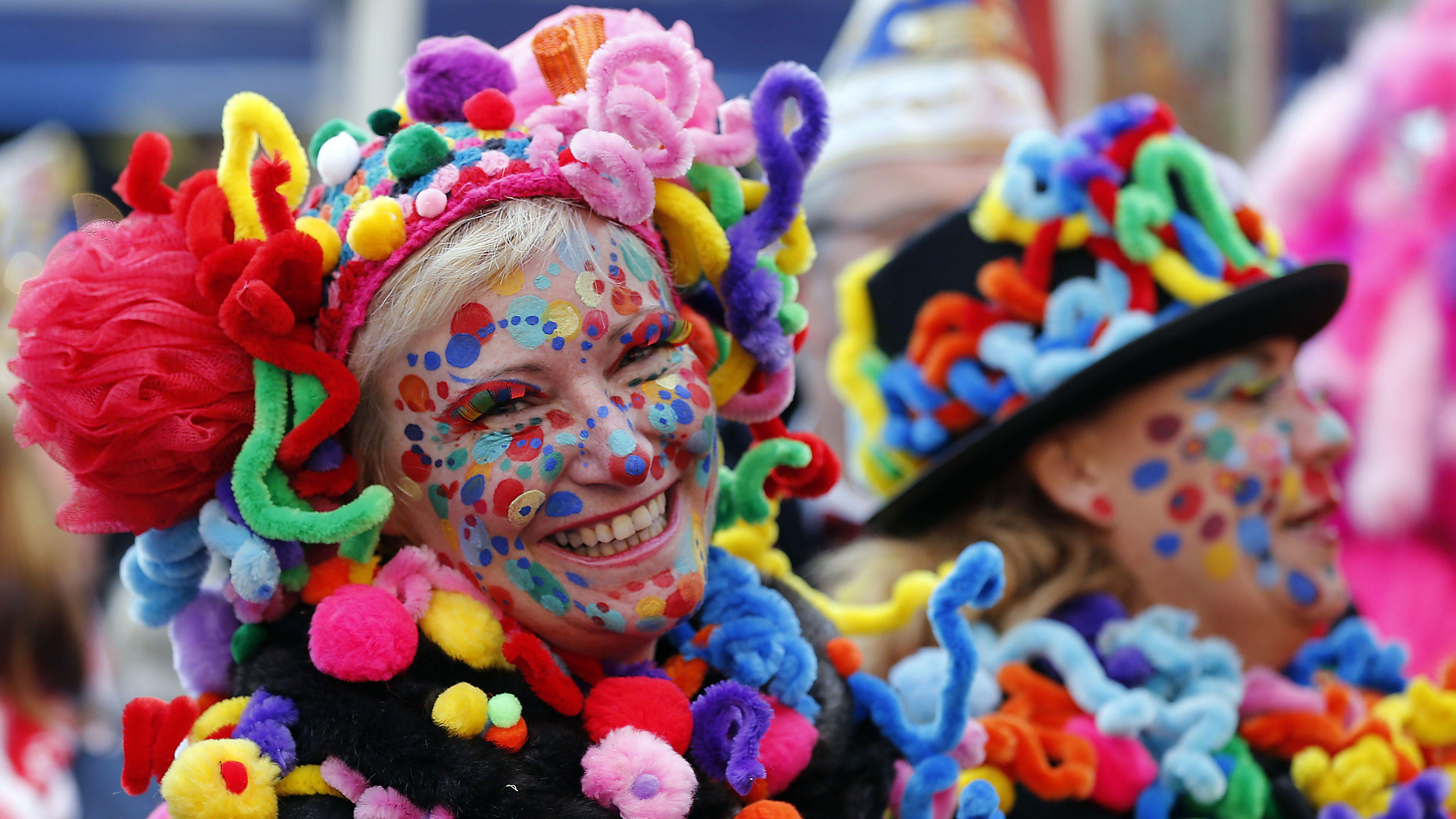 A carnival fool