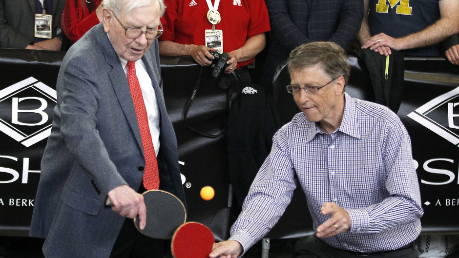 bill gates and warren buffett play ping pong