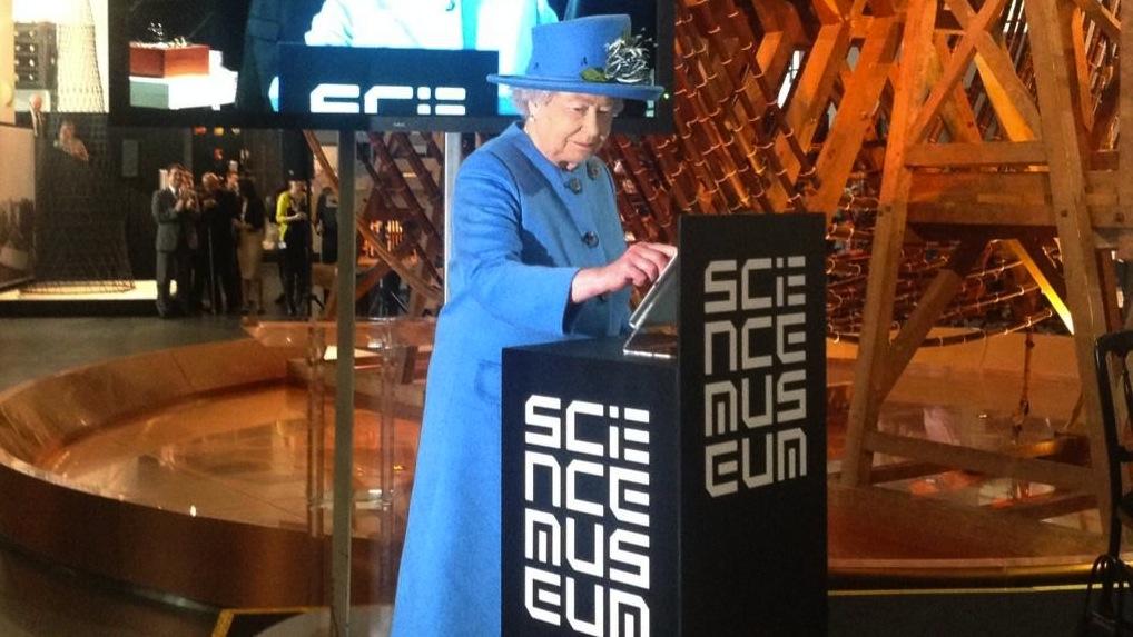 The Queen's first tweet.