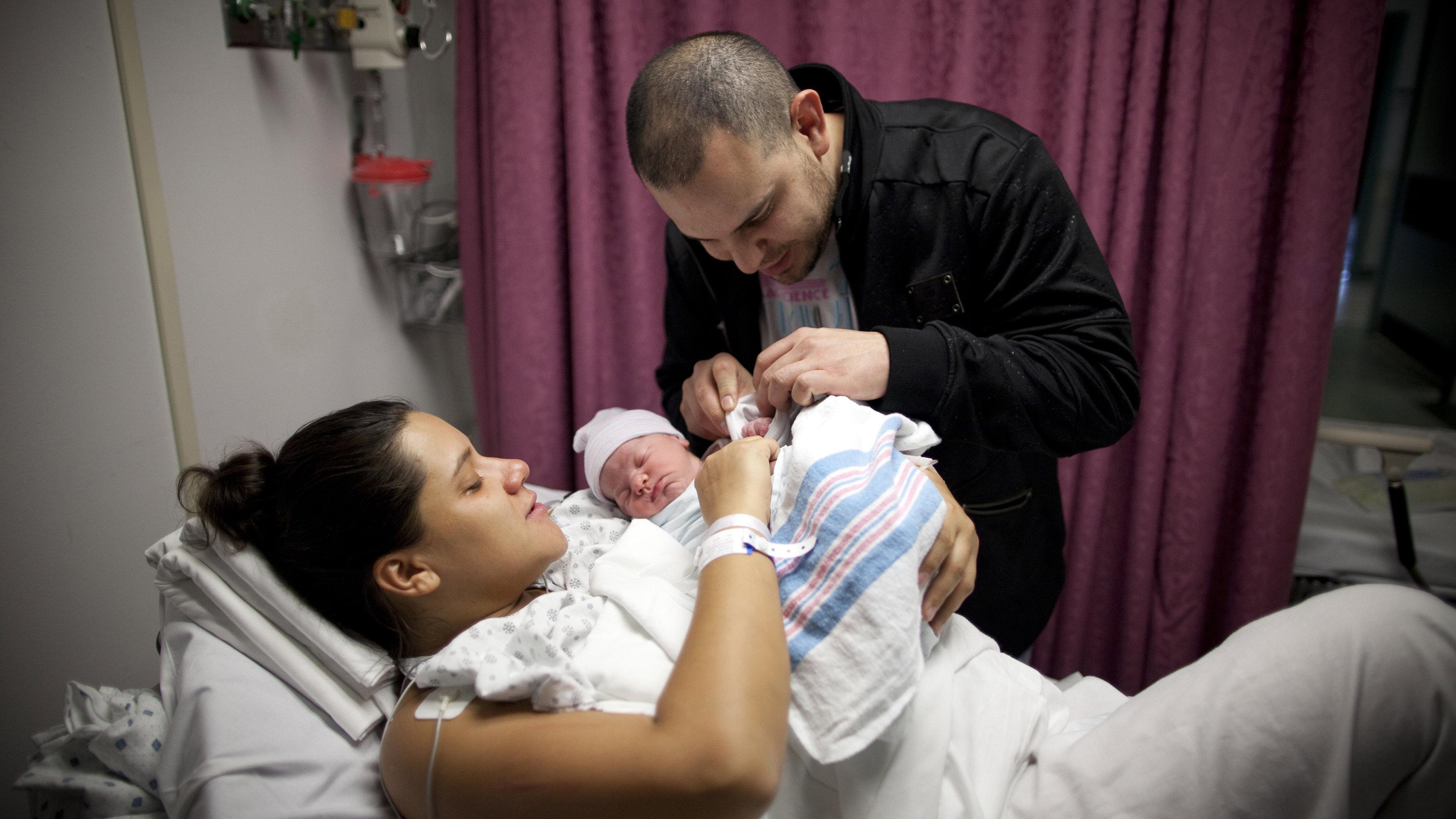 f511dcda6 Por qué todos los bebés en Facebook están envueltos en la misma ...