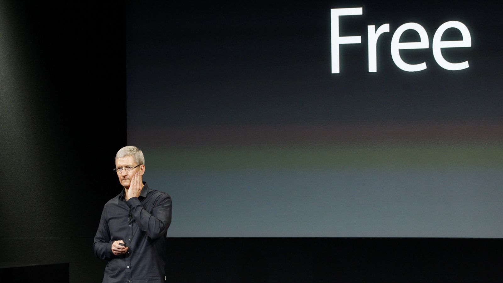 Apple Inc CEO Tim Cook talks about iOS7 during Apple Inc's media event in Cupertino, California September 10, 2013. REUTERS/Stephen Lam (UNITED STATES - Tags: BUSINESS SCIENCE TECHNOLOGY BUSINESS TELECOMS)