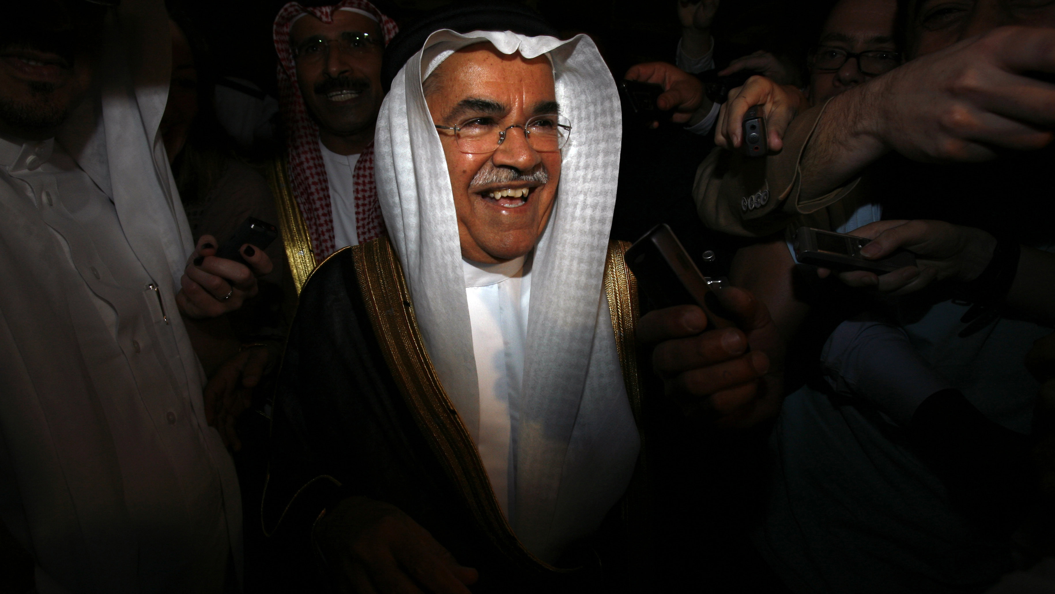 Saudi's Oil Minister Ali al-Naimi arrives at Emirates palace to attend the OPEC meeting in Abu Dhabi December 3, 2007.