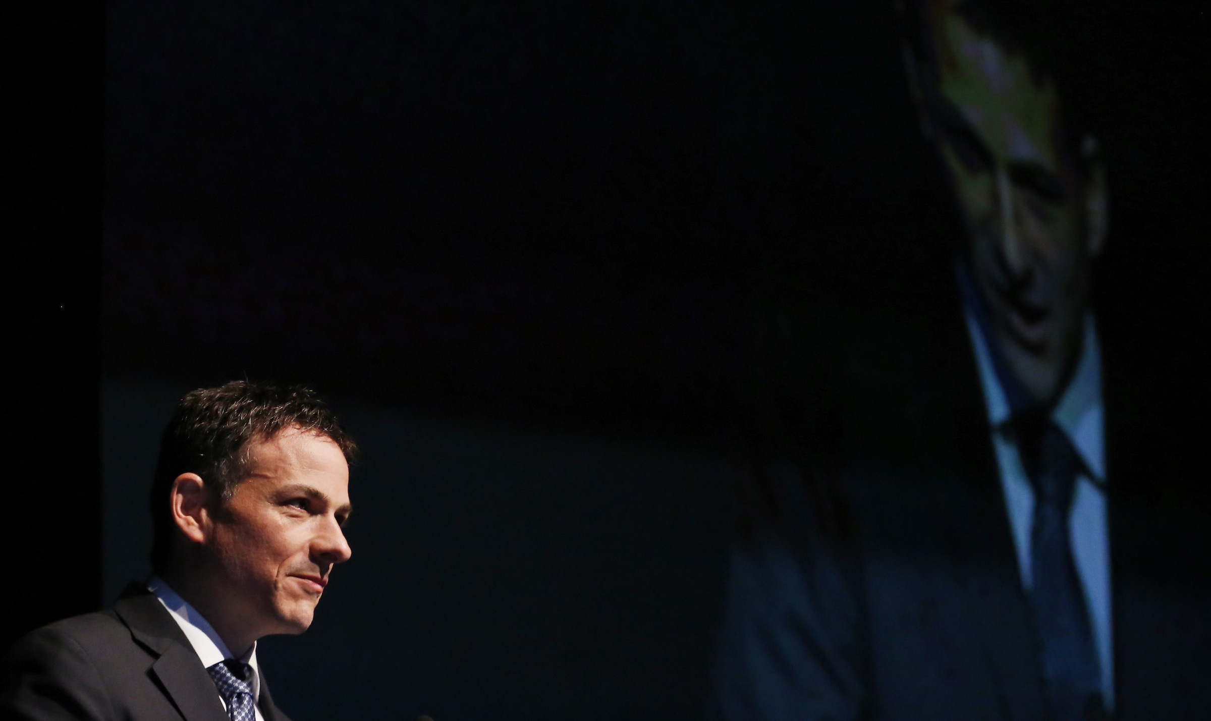 David Einhorn speaks at the Sohn Investment Conference in New York, May 8, 2013. Einhorn, president of $8.8 billion hedge fund Greenlight Capital, said Wednesday that Oil States International is a high-quality business relative to competitors. REUTERS/Brendan McDermid (UNITED STATES - Tags: BUSINESS) - RTXZFN7