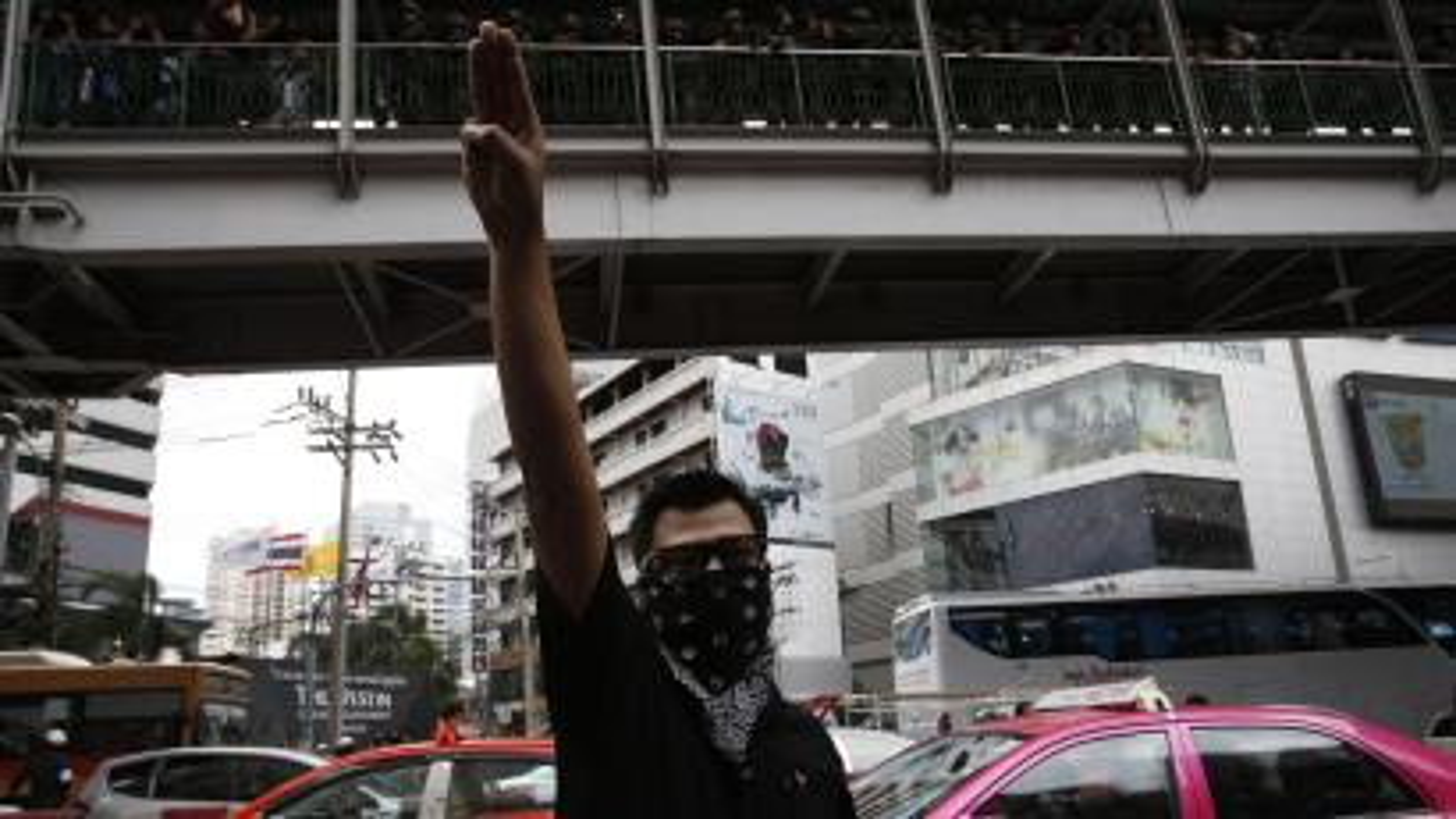 Thai Hunger Games salute