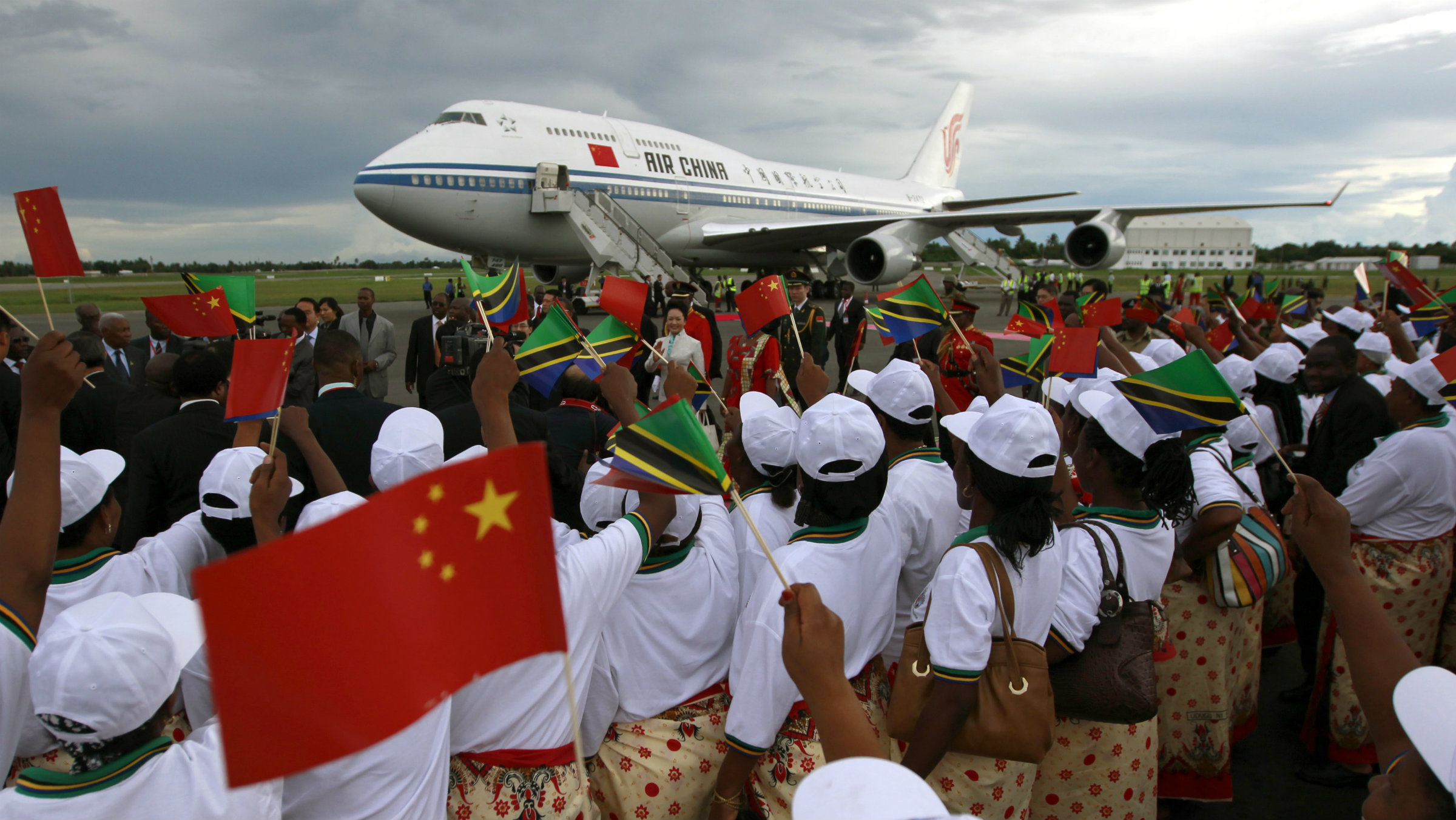 The Air China presidential plane in Tanzania during Xi Jinping's March 2013 visit.