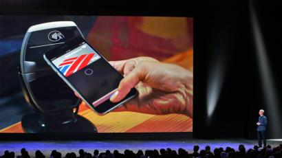 tim cook shows off apple pay