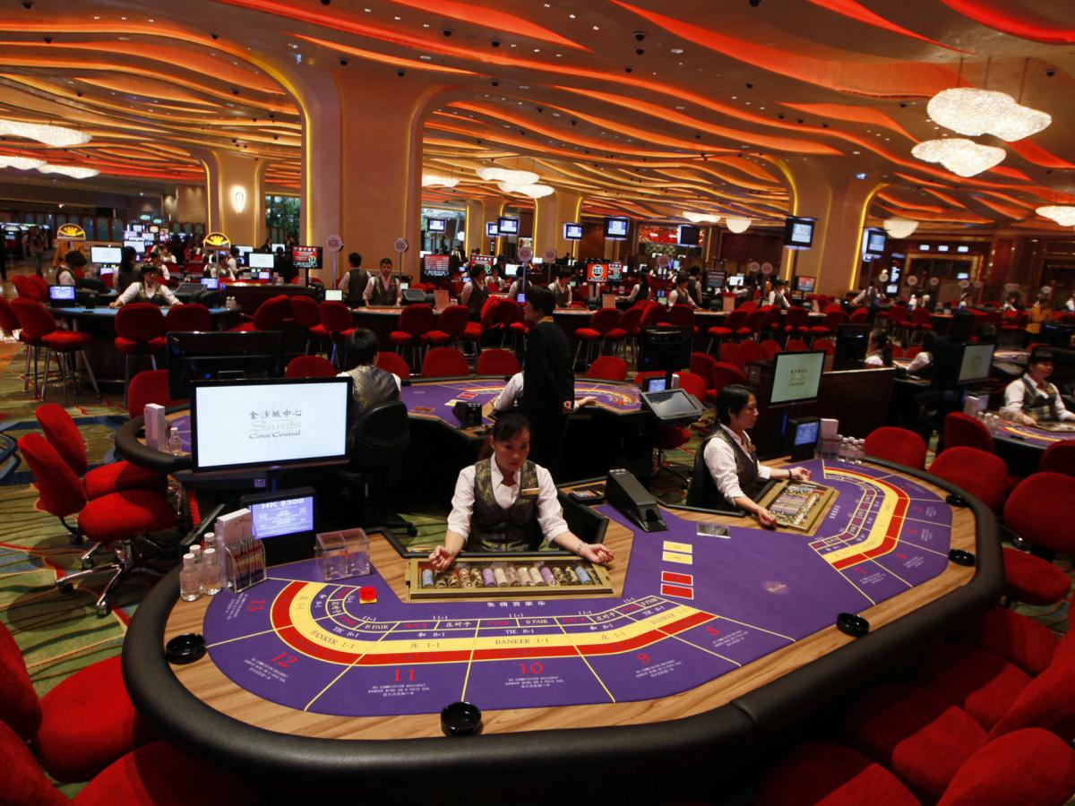 Macau S Casinos Have A Dangerous Addiction To Baccarat Quartz