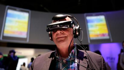 CES wearable headset