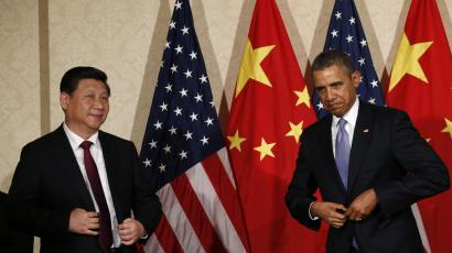 DATE IMPORTED:March 24, 2014U.S. President Barack Obama (R) meets China's President Xi Jinping, on the sidelines of a nuclear security summit, in The Hague March 24 2014. Obama began crisis talks with his European allies on Monday after Ukraine announced the evacuation of its troops from Crimea, effectively yielding the region to Russian forces which stormed one of Kiev's last bases there. Obama, who has imposed tougher sanctions on Moscow than European leaders over its seizure of the Black Sea peninsula, will seek support for his firm line at a meeting with other leaders of the G7 - a group of industrialised nations that excludes Russia, which joined in 1998 to form the G8. REUTERS/Kevin Lamarque
