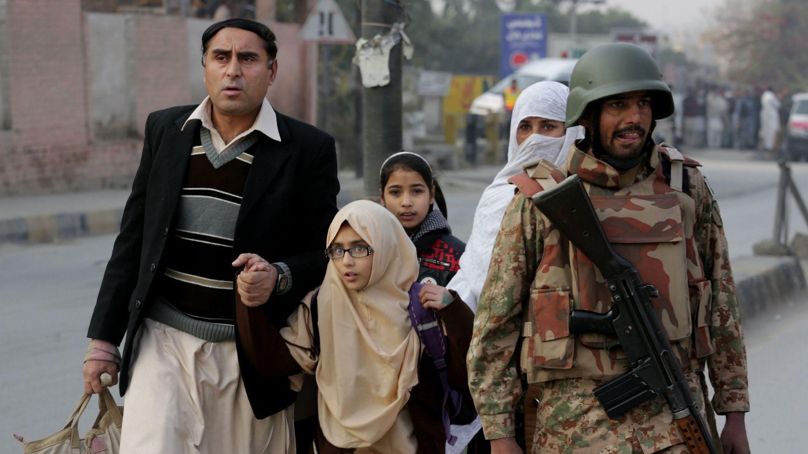 Taliban-Peshawar-Pakistan-School