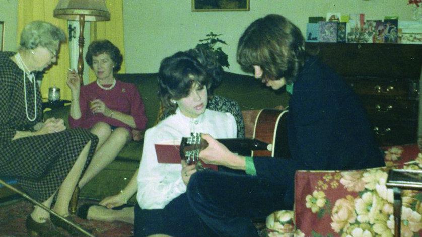 drake playing guitar