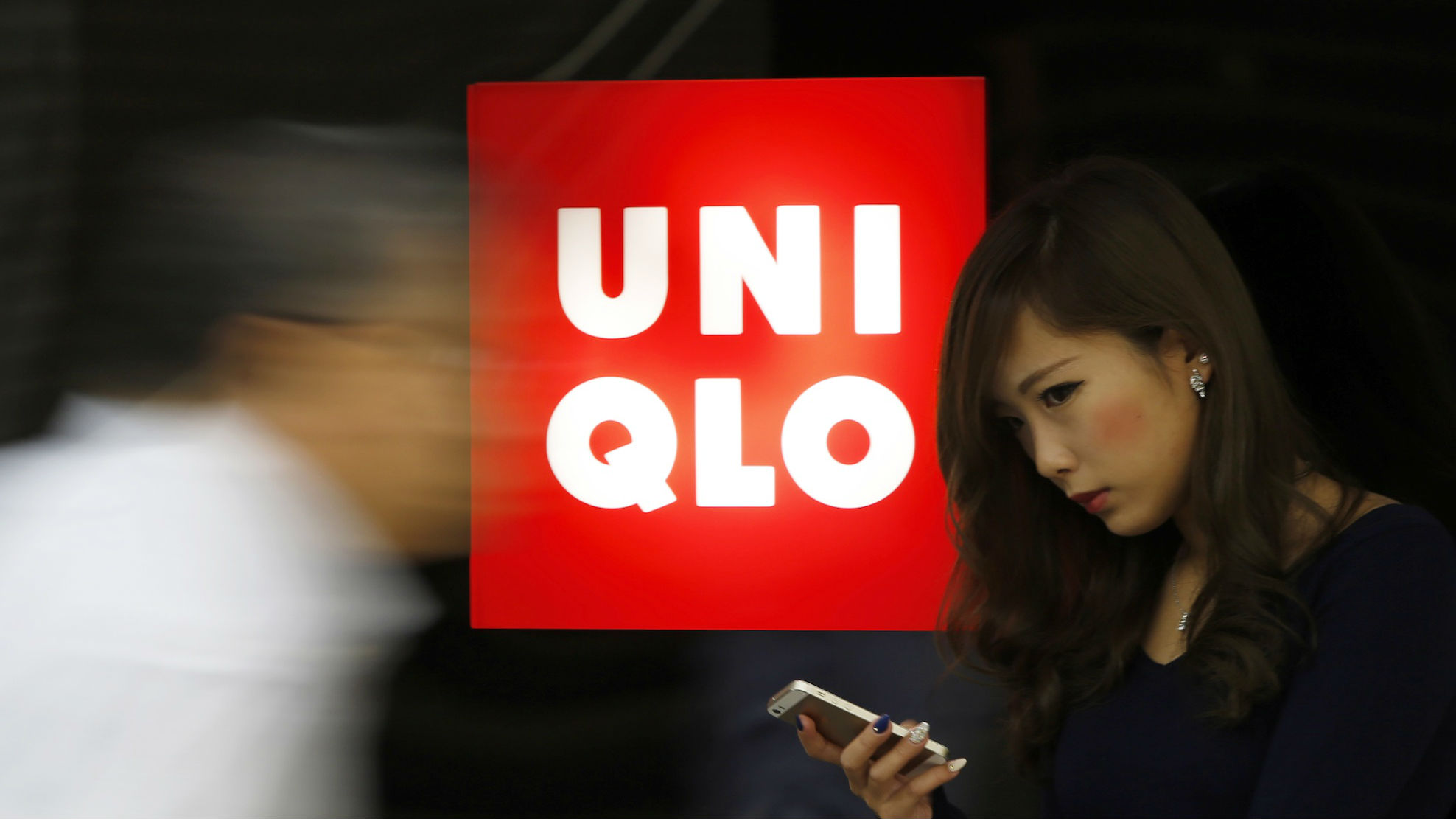Looks - Criticized uniqlo for poor working conditions video