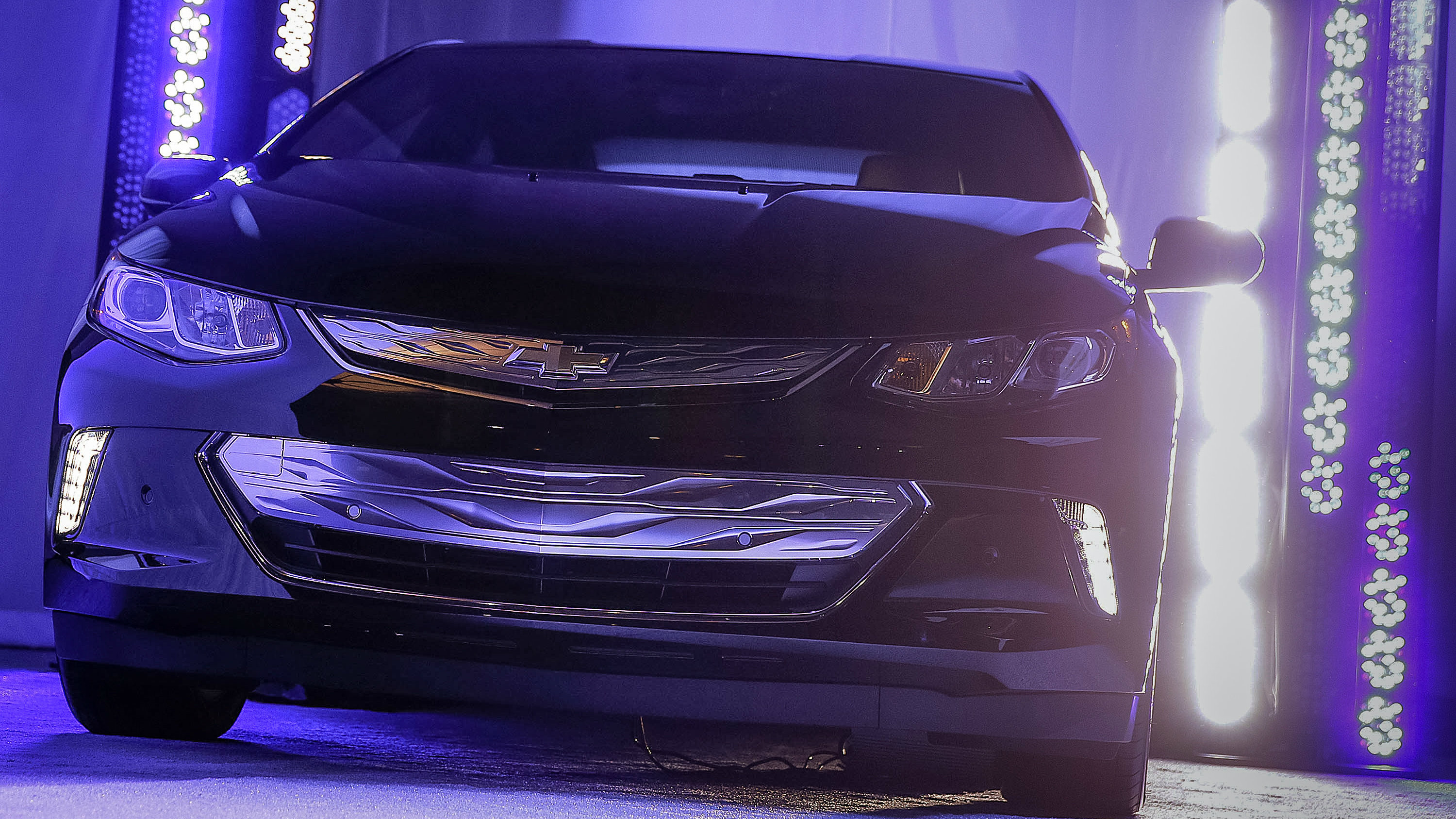 The plug-in 2016 Volt will also be unveiled Monday.
