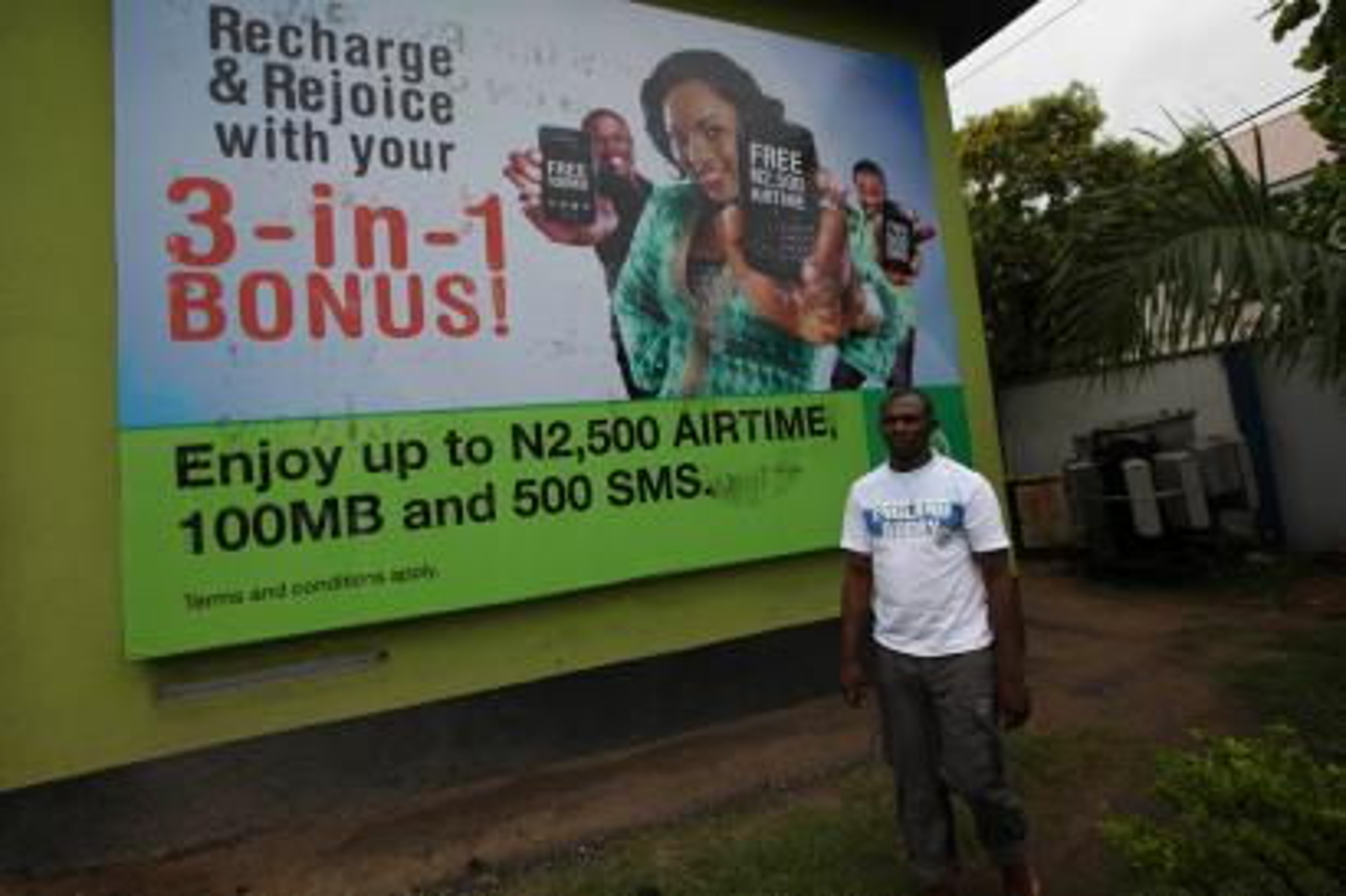 How Nigeria became the world's dual SIM-card superpower — Quartz