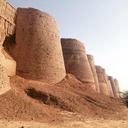 Cholistan Desert Jeep Rally-Pakistan-Derawar Fort