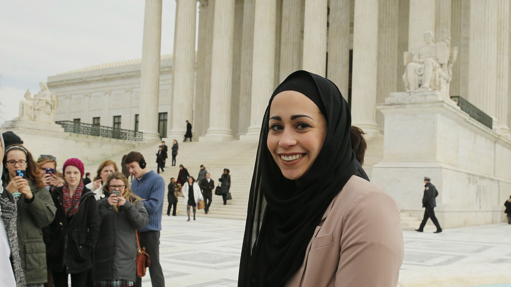 abercrombie and fitch, abercrombie & fitch, hijab, head covering, religious discrimination, freedom