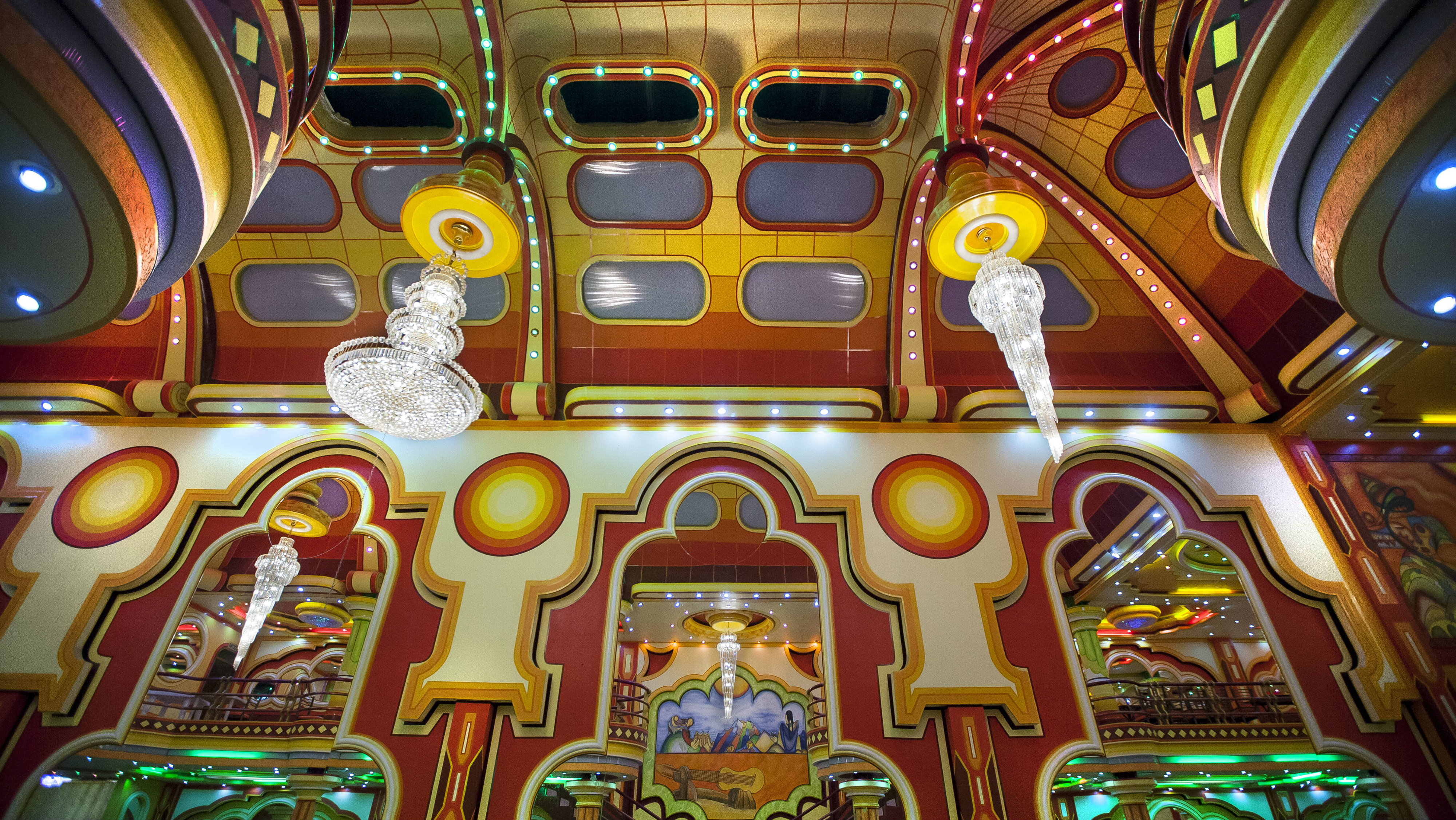 Spaceship architecture by self-taught Bolivian Architect, Freddy Mamani Silvestre.