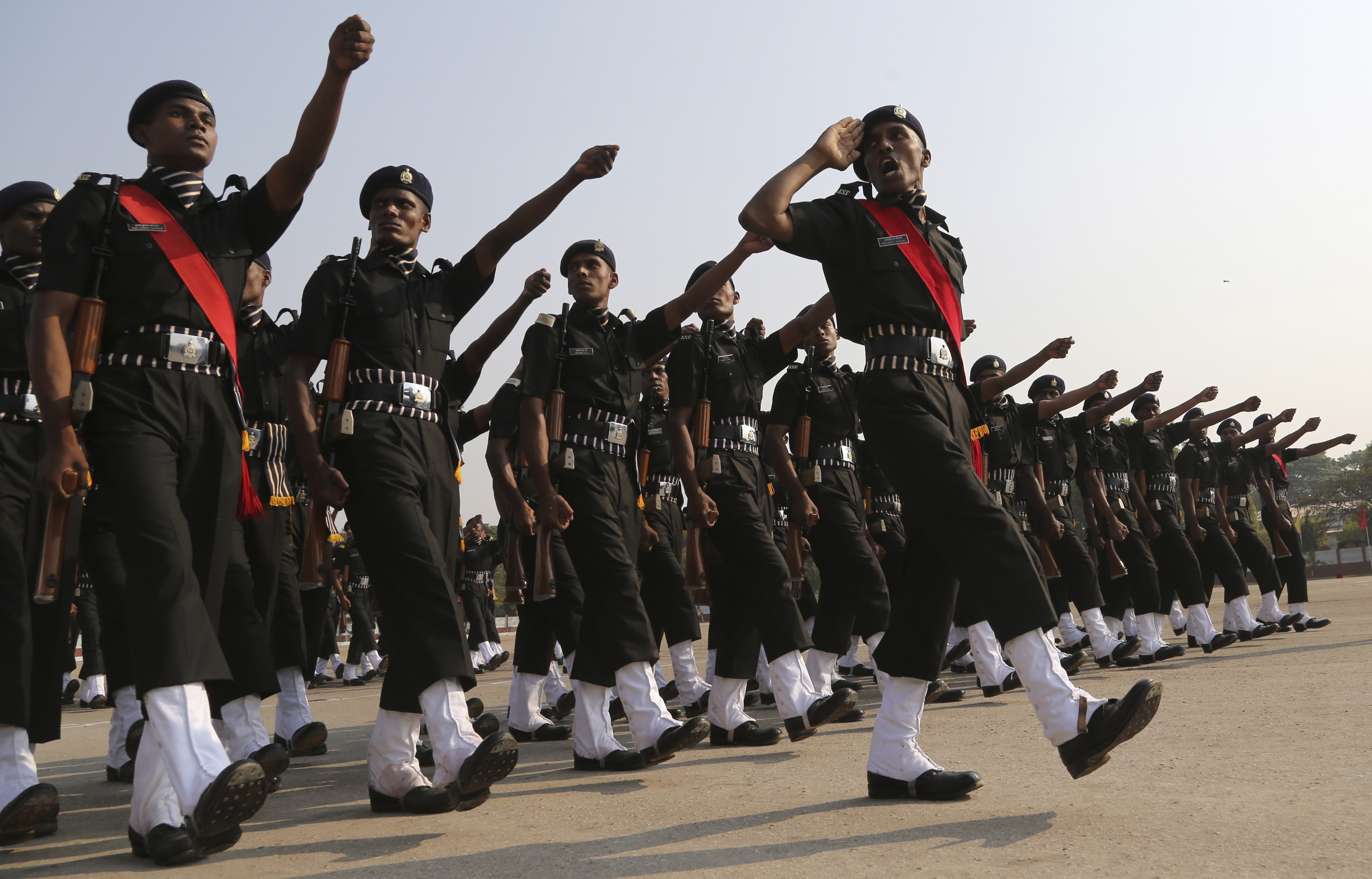 Indian Army-soldiers-parade