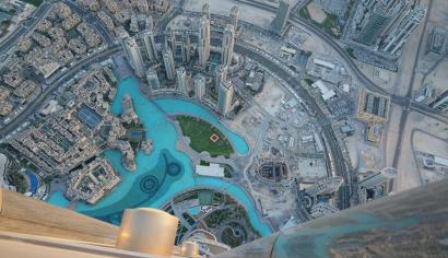 5aaf629fd52786 Watch  An eagle in Dubai claims a world record for highest flight ...