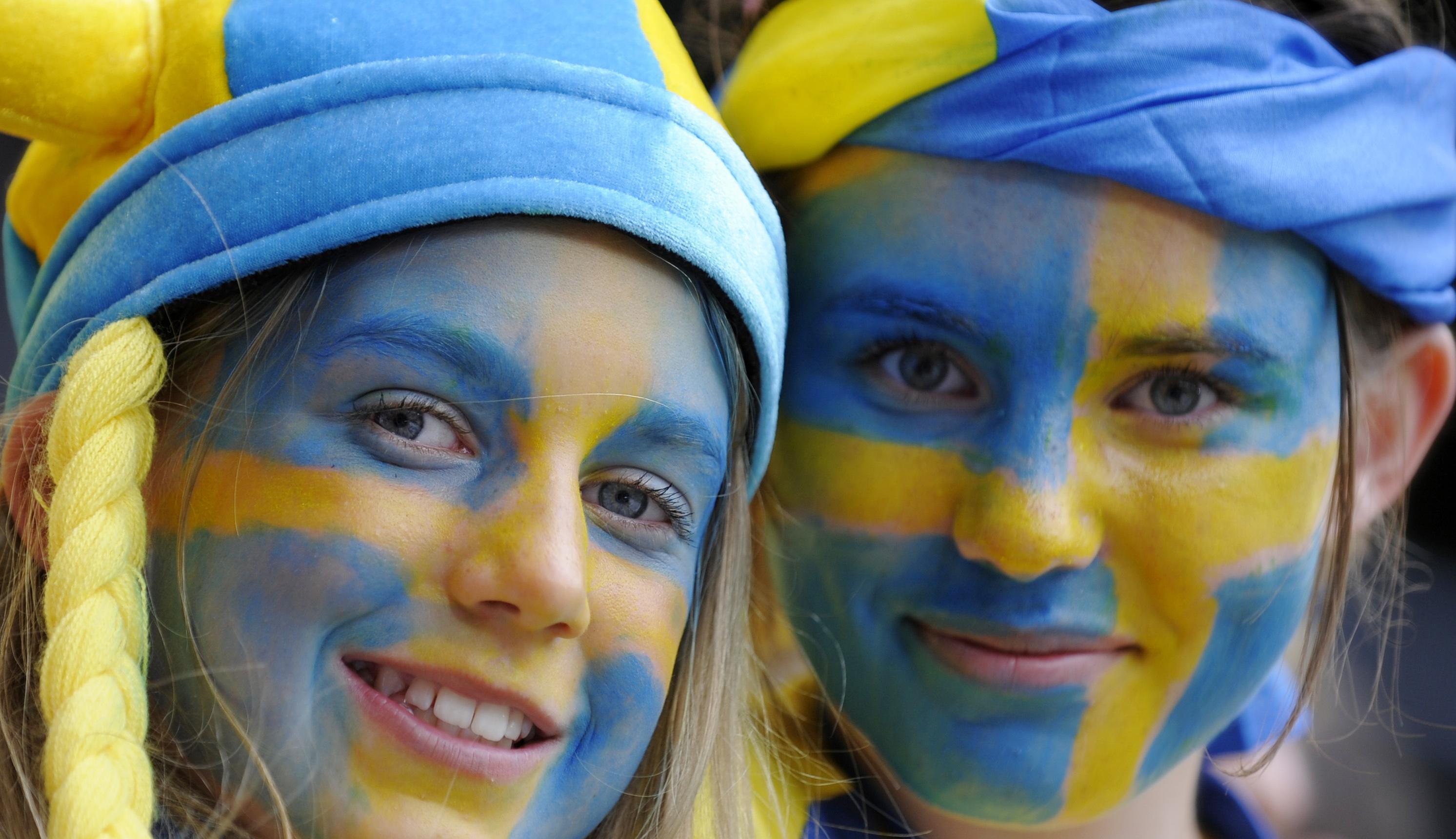 Sweden fans pose before their Group D Euro 2008 soccer match against Spain at the Tivoli Neu Stadium in Innsbruck, June 14, 2008.