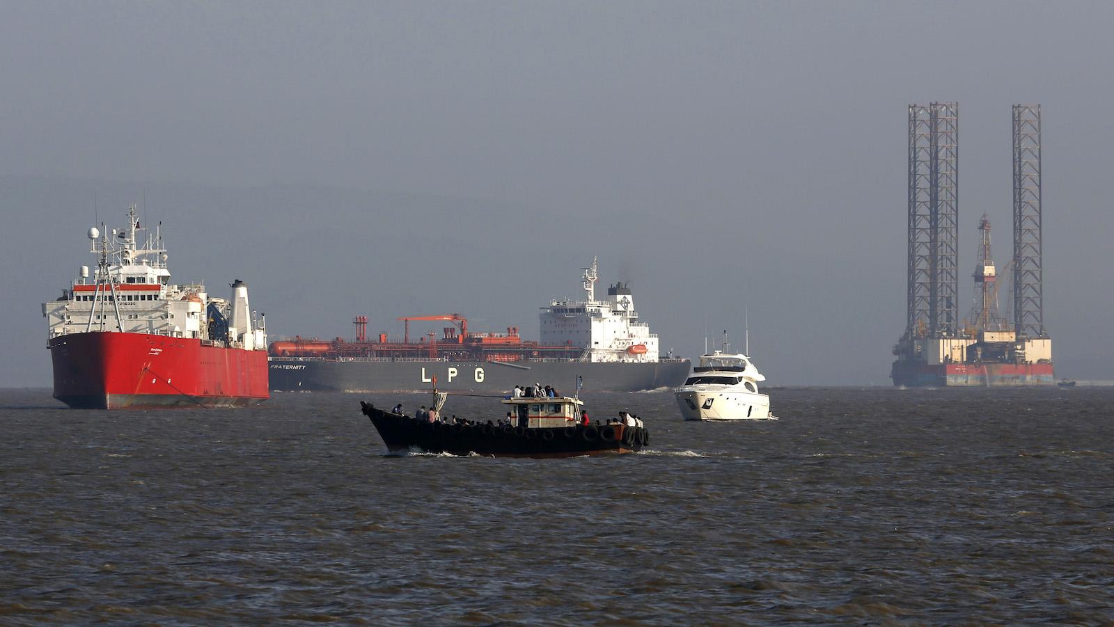 Ports-Defence-Make in India-Modi