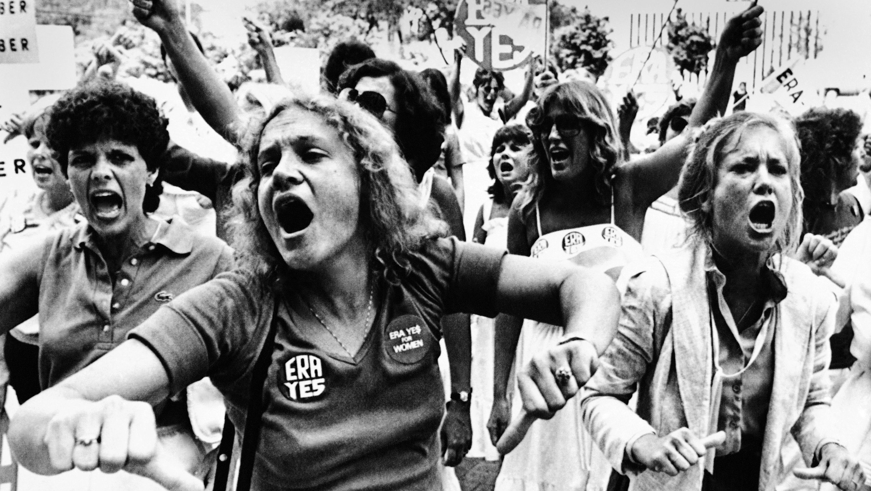 """Equal Rights Amendment supporters voice their disapproval of the 22-16 vote against E.R.A. in the Florida Senate as they streamed out of the capitol for a demonstration and shouted """"vote them out"""" in response to the Senate vote, June 21, 1982. (AP Photo)"""