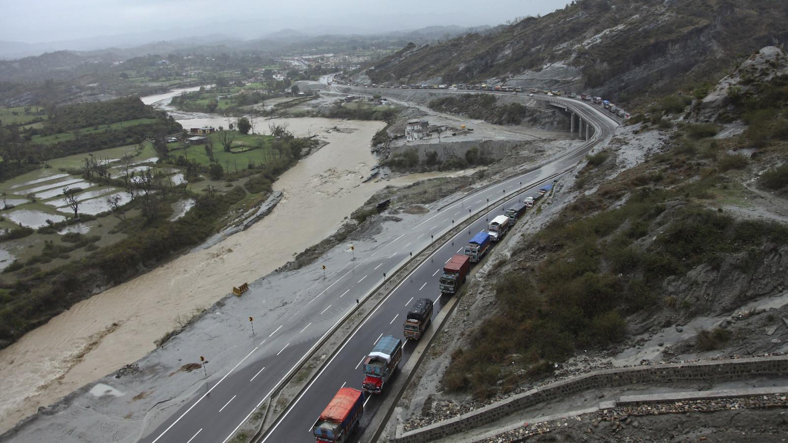 Is Modis New 2 Billion Trans India Highway Project Just Too Ambitious Quartz