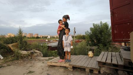 migrant family outside moscow