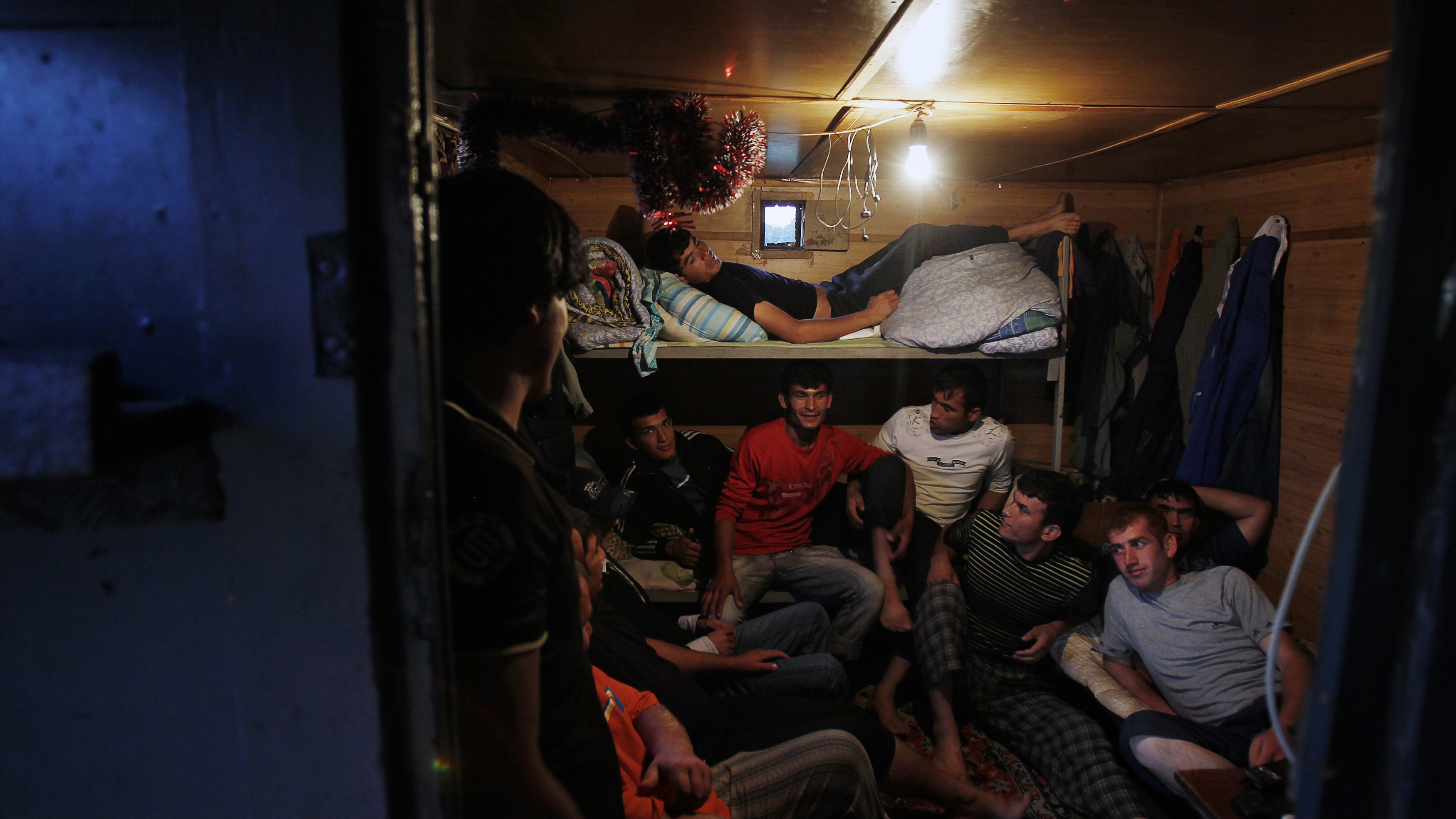 migrant workers in shelter